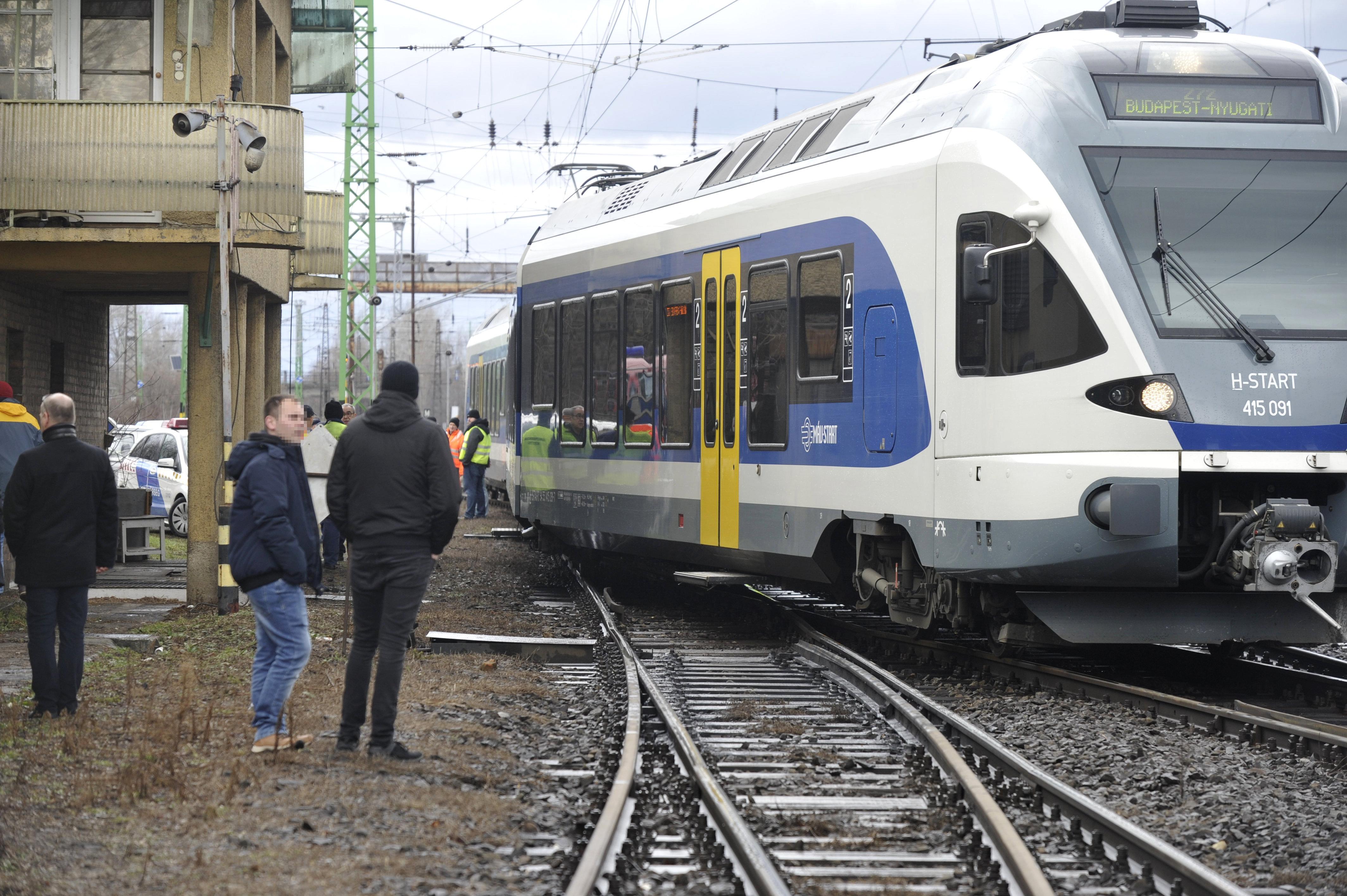 A felújítás utáni első nap összeomlott a vonatközlekedés a Nyugati pályaudvaron