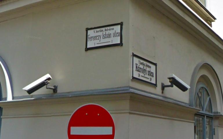 Bipolárisnak és alkoholistának vallotta magát a brit-amerikai férfi, aki a Belvárosban késsel ölt