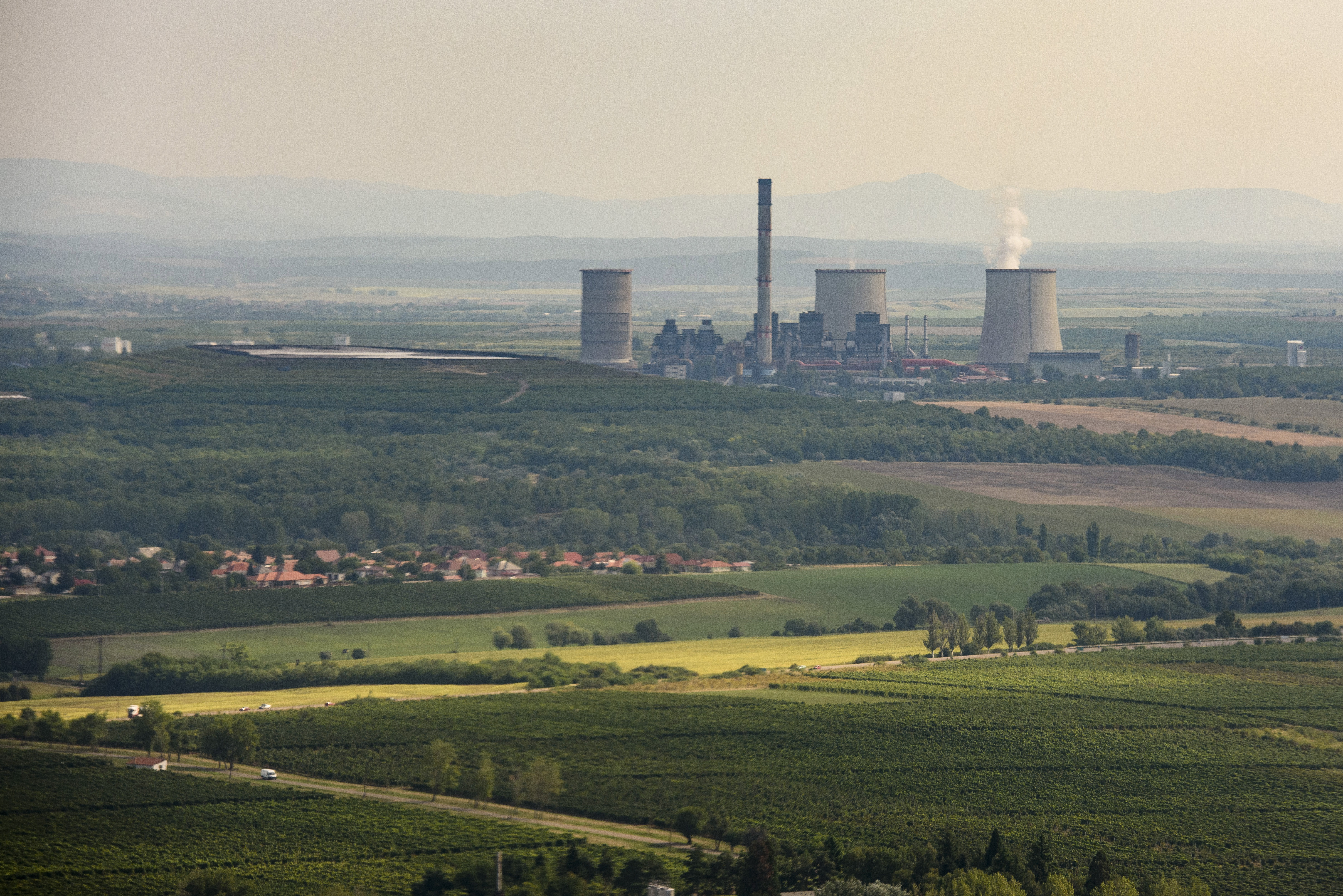 Visszafogták Mészáros erőművét, hogy ne nőjön még nagyobbra a veszteség