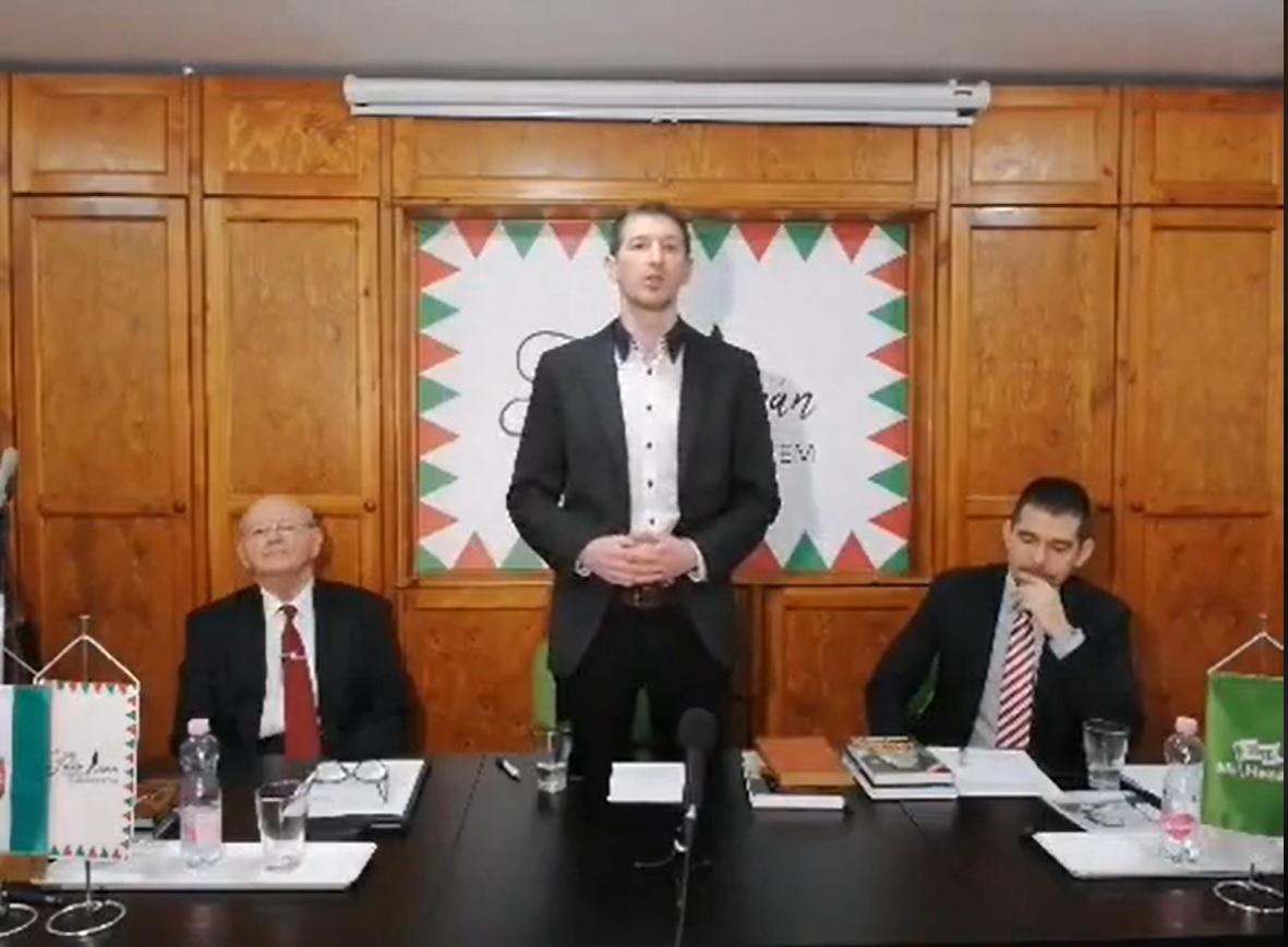 Szakács Árpád zsidóviccel indította előadását a magyar kultúra ellenségeiről