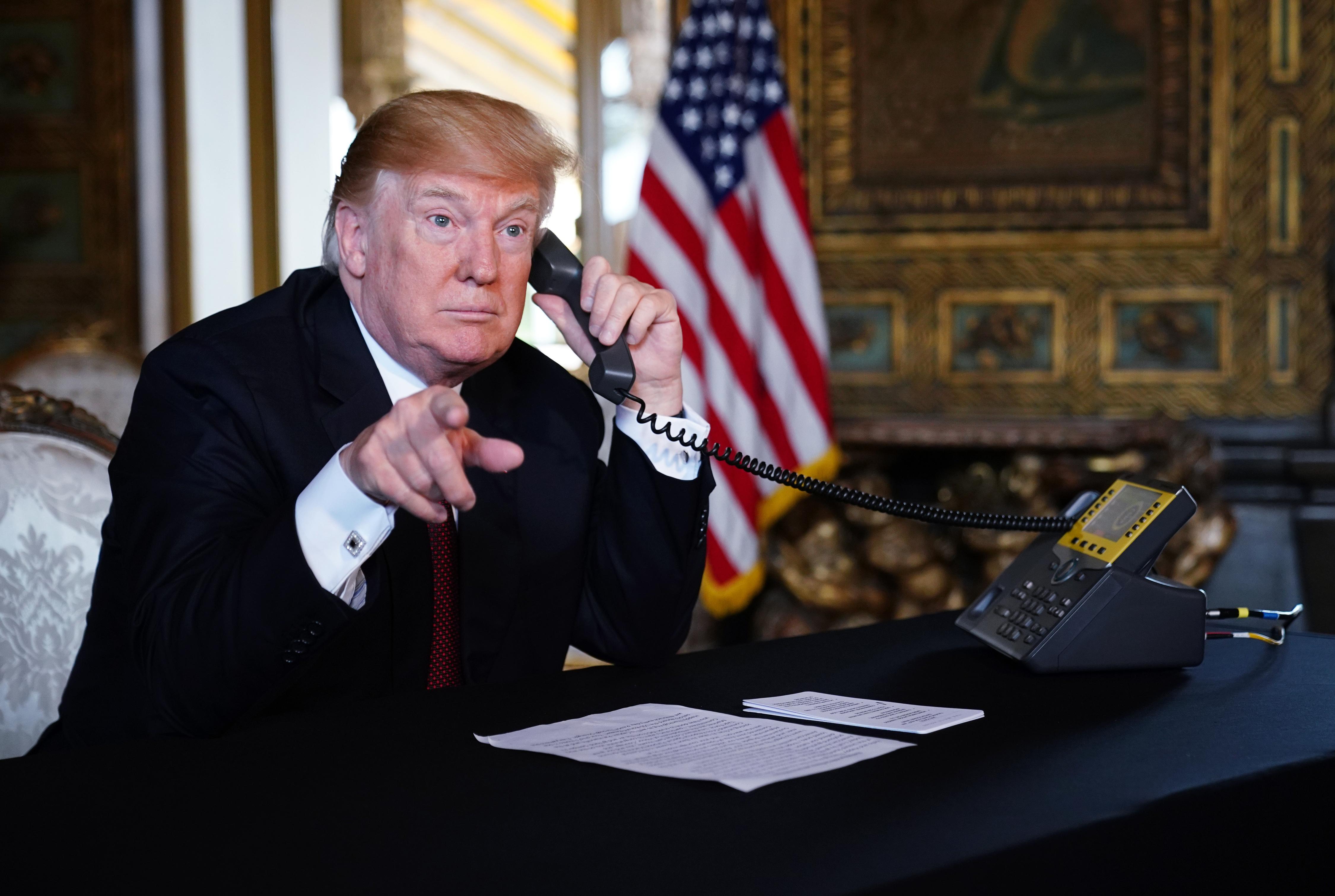Trump telefonon beszélgetett Orbánnal