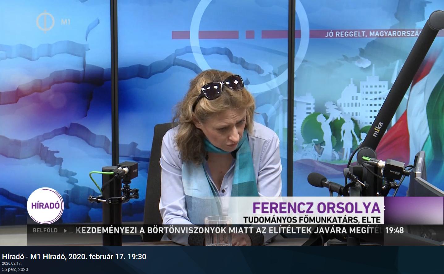 Valahogy pont fideszes politikusok bukkannak fel a közmédiában, hogy szakértőként bemutatva beszéljenek Orbán évértékelőjéről
