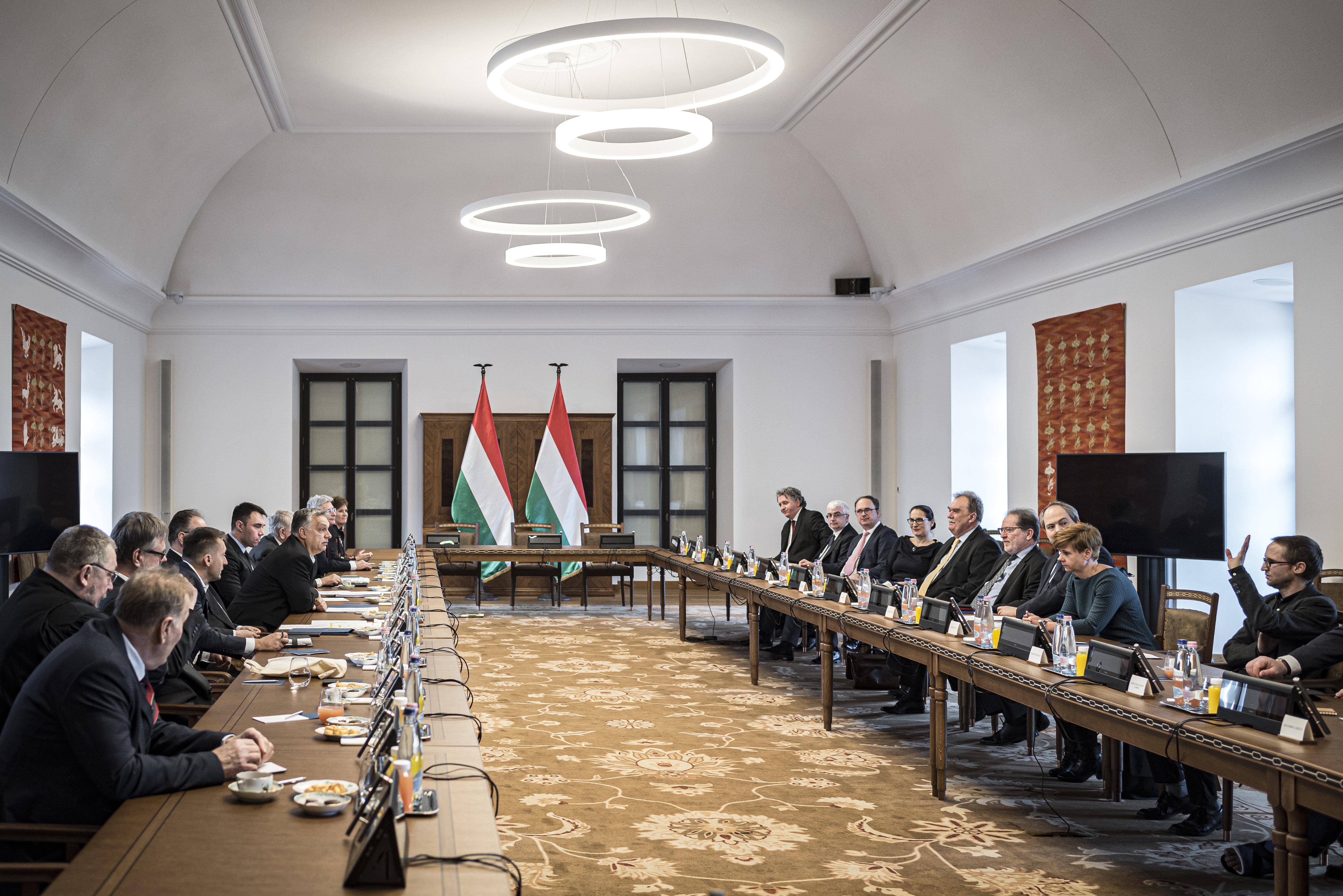 Orbán meghívására a várban megalapították a Nemzeti Kulturális Tanácsot