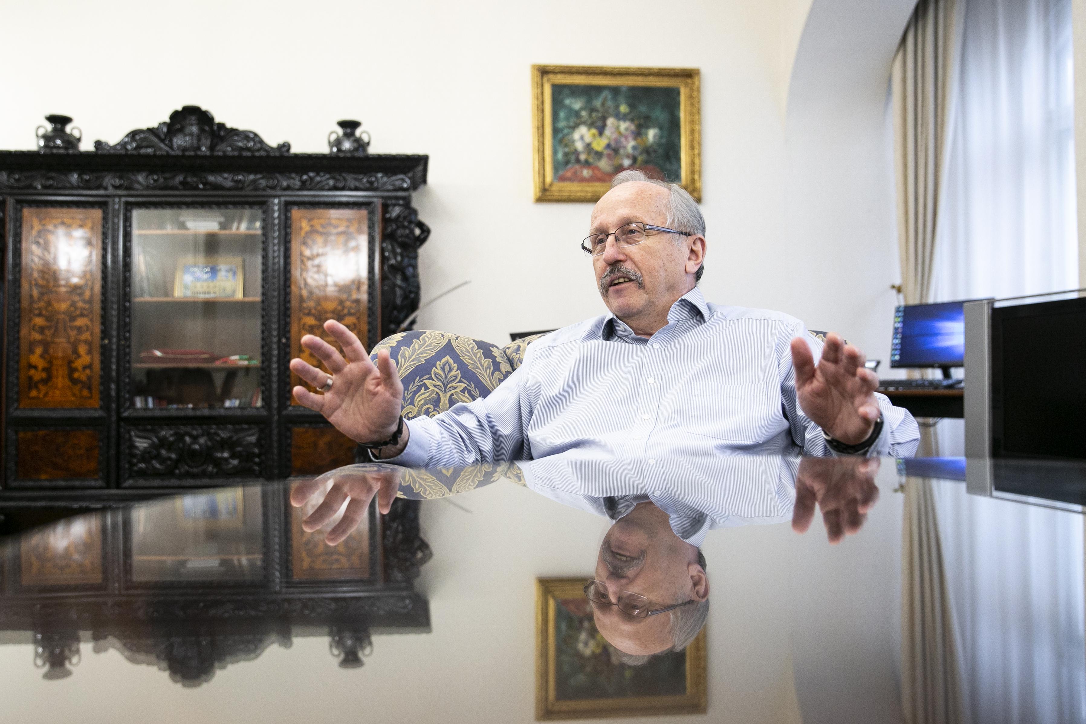 Niedermüller: A bulinegyed vendéglátósainak 40 százaléka biztos, hogy tönkre ment