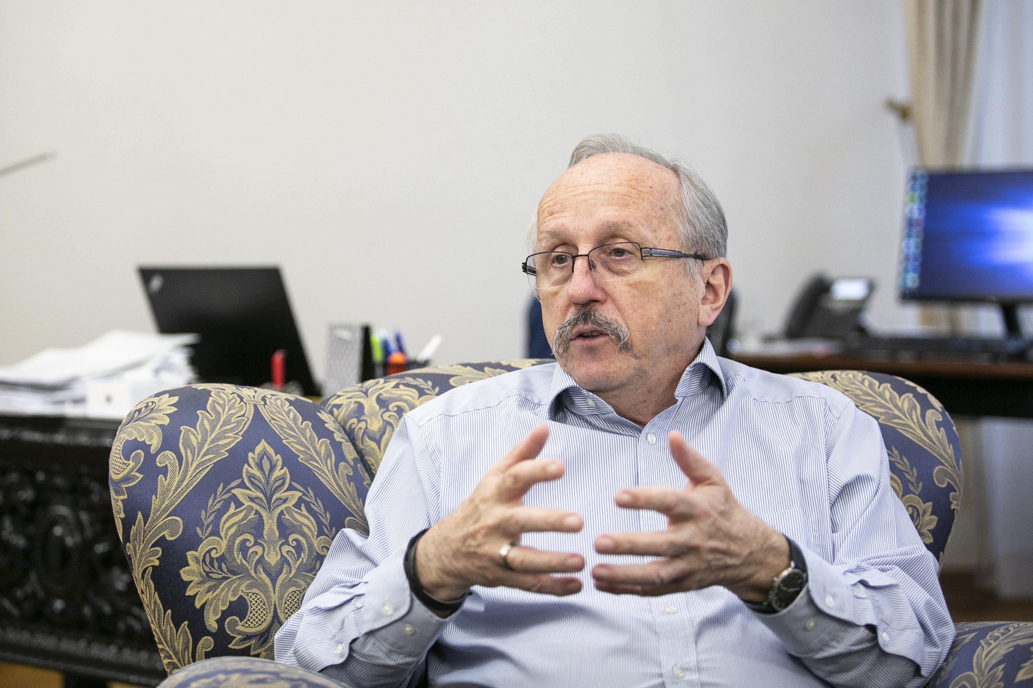 Niedermüllerre változtatta nevét a cég, ami ellen Niedermüller vizsgálatot indított