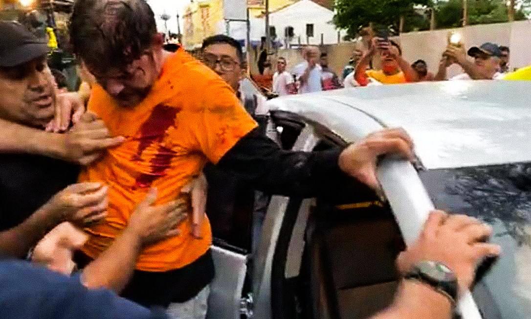 Gumilövedékkel lőttek rá a brazil szenátorra, aki markolóval ment neki a sztrájkoló katonai rendőröknek