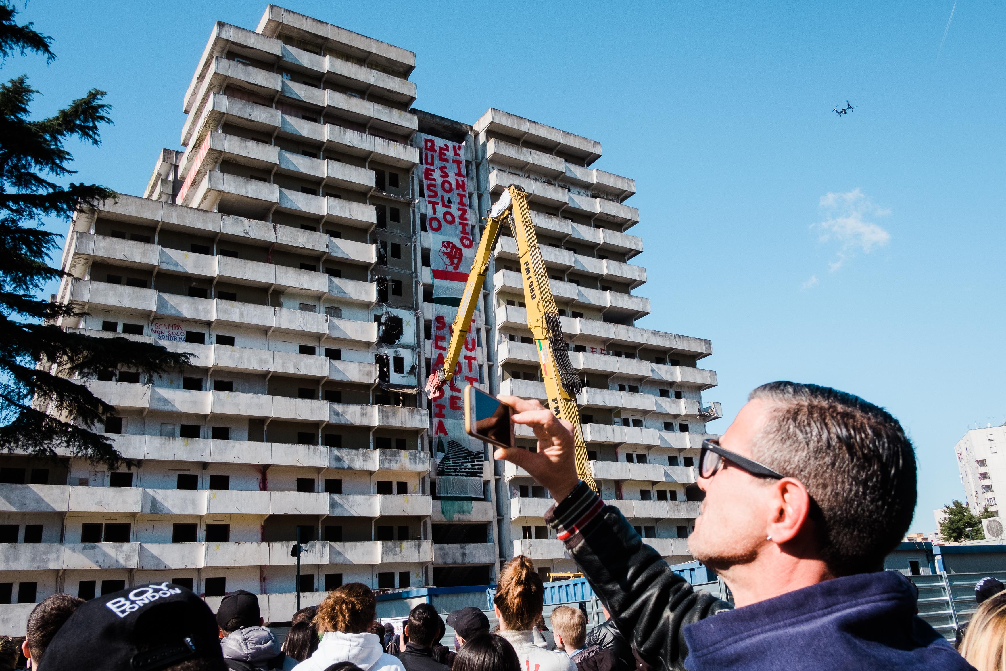 Elkezdték elbontani Nápoly hírhedt épületeit, ahol a Gomorrah is játszódik