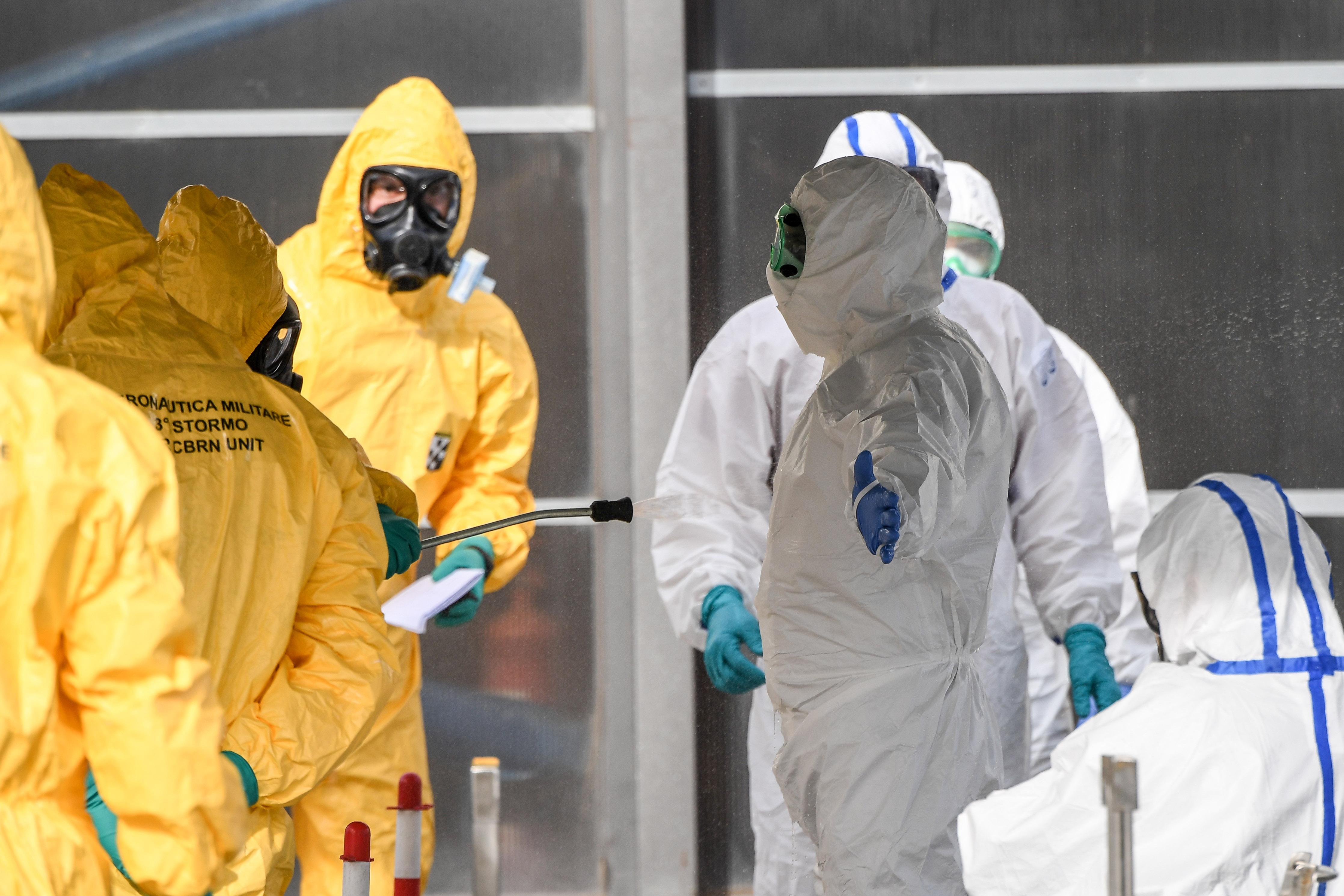 Egy nap alatt 16 koronavírusos esetet regisztráltak Olaszországban