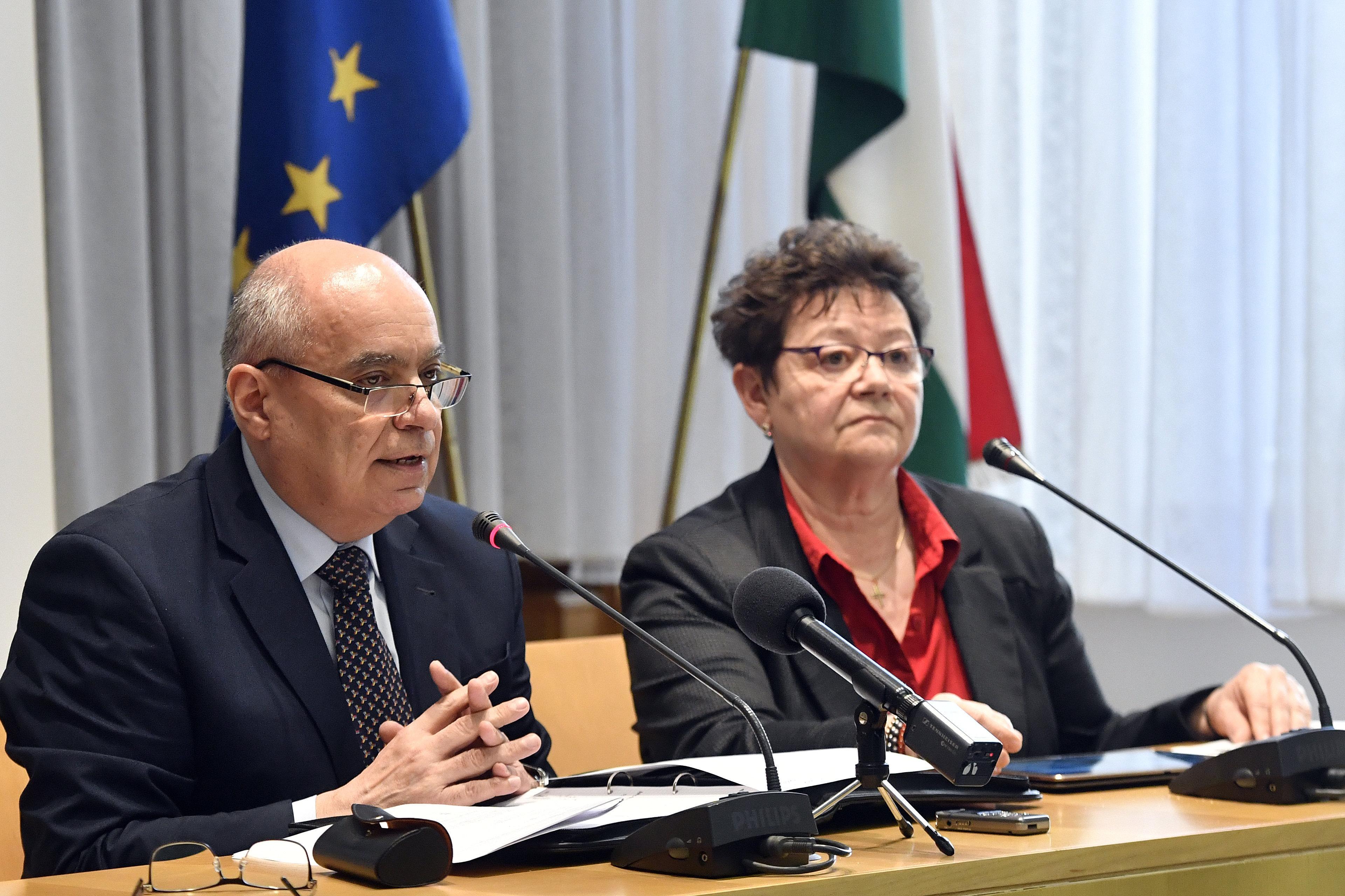 A tisztifőorvos a járványveszélyről: Figyelik az Olaszországból érkezőket is