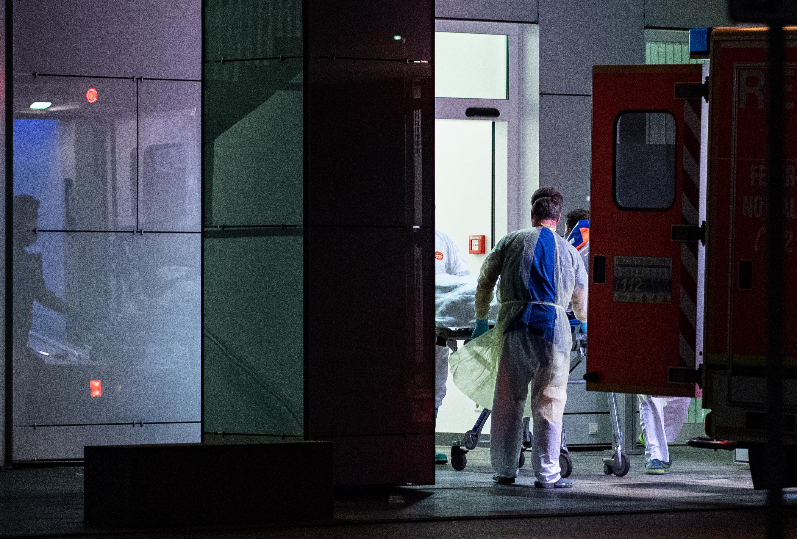 Újabb két koronavírusos beteget találtak Németországban