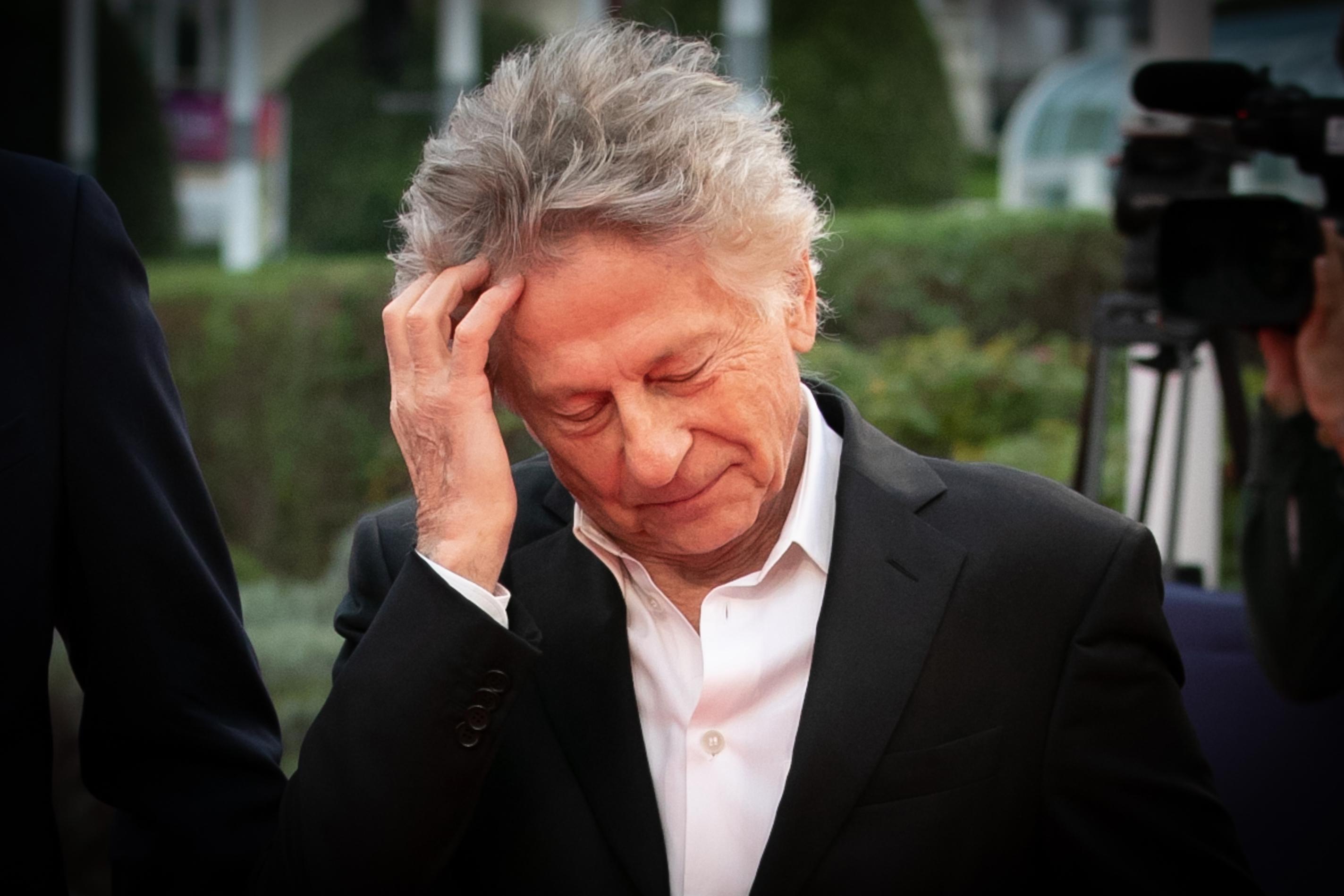 Több nő is kivonult a teremből, amikor a nemi erőszakért elítélt Roman Polanski nyerte a César-díjat