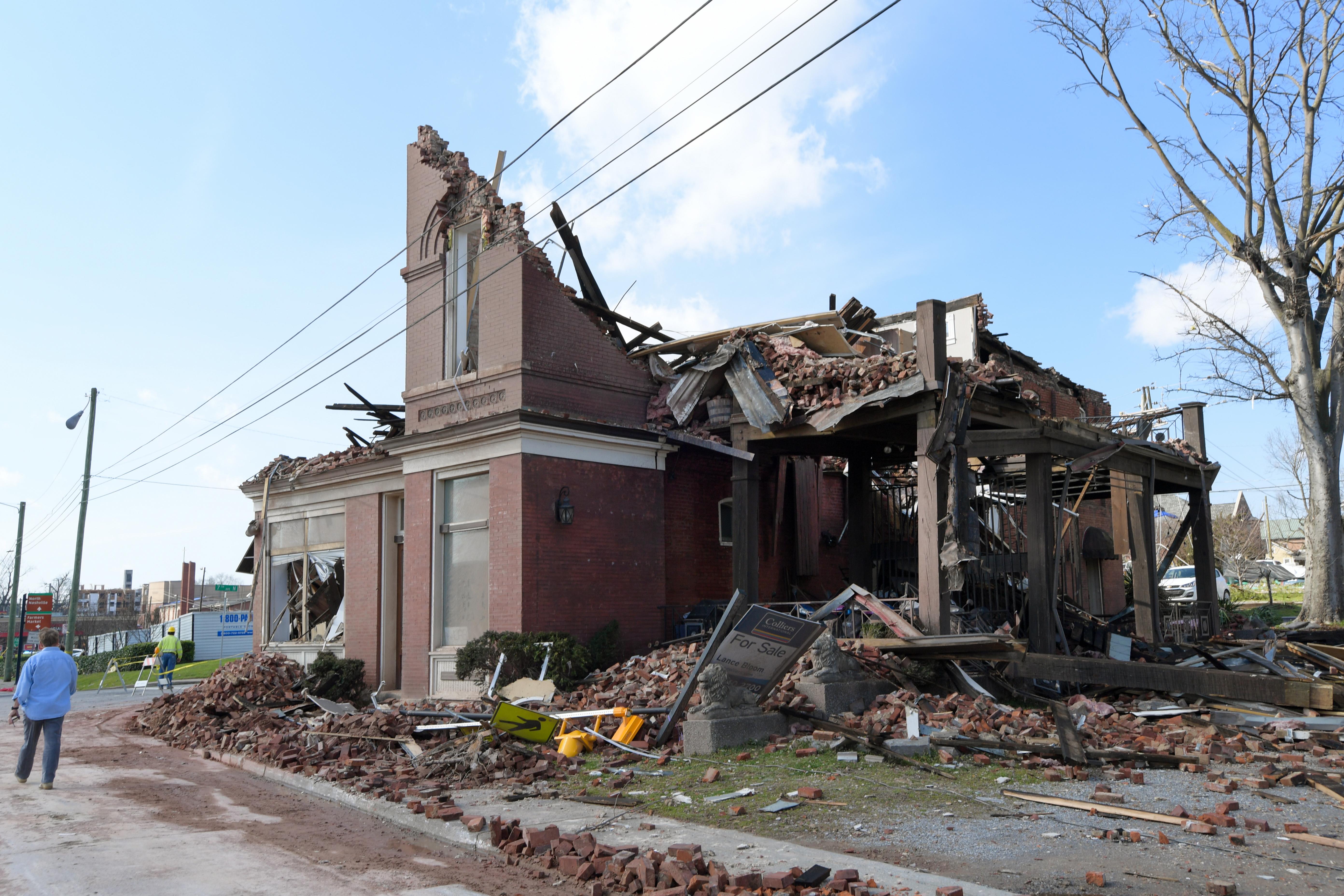25 halottja van a Tennesseeben pusztító tornádóknak