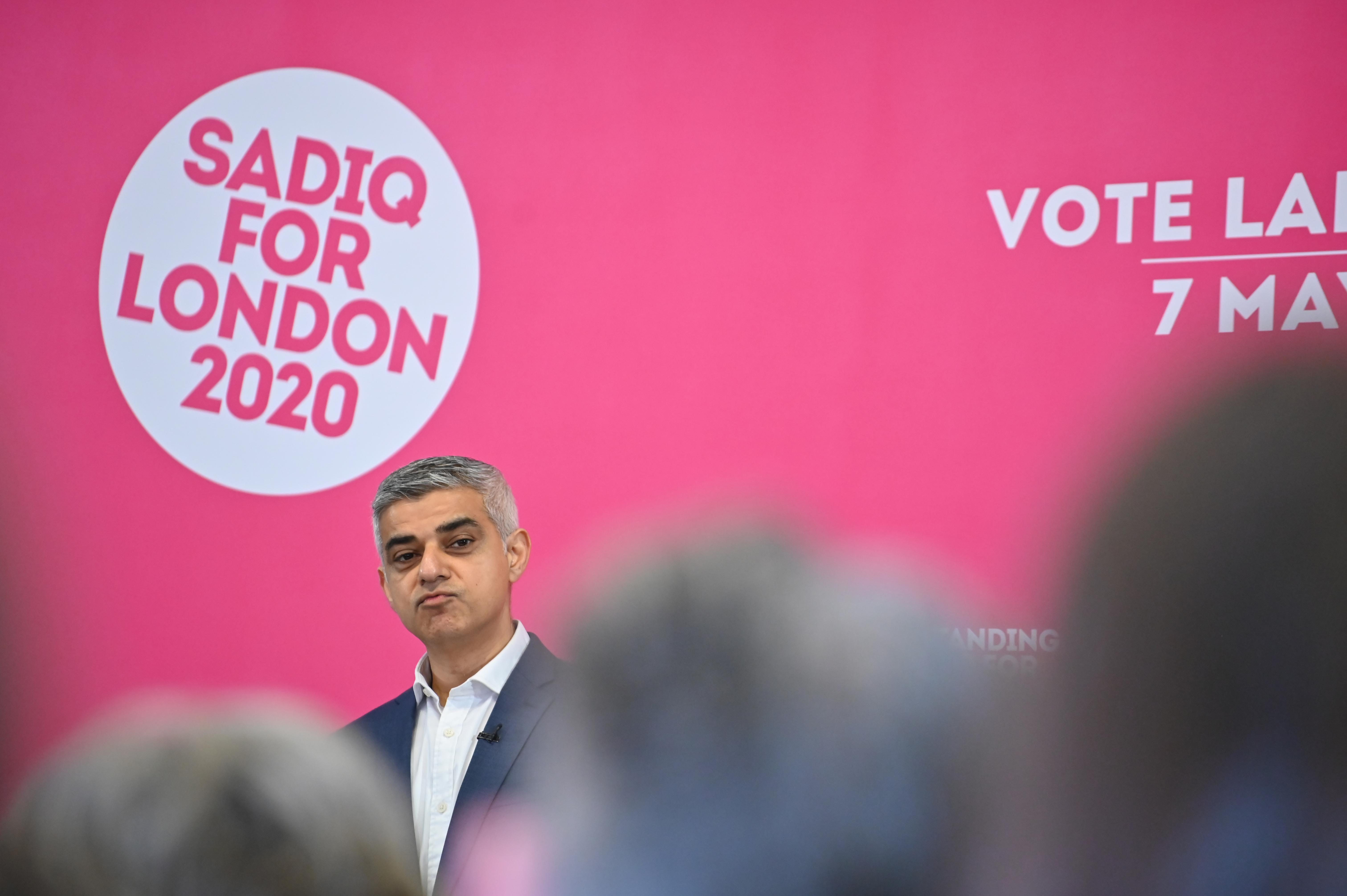 London polgármestere az albérletárak befagyasztásának ígéretével indította el újraválasztási kampányát