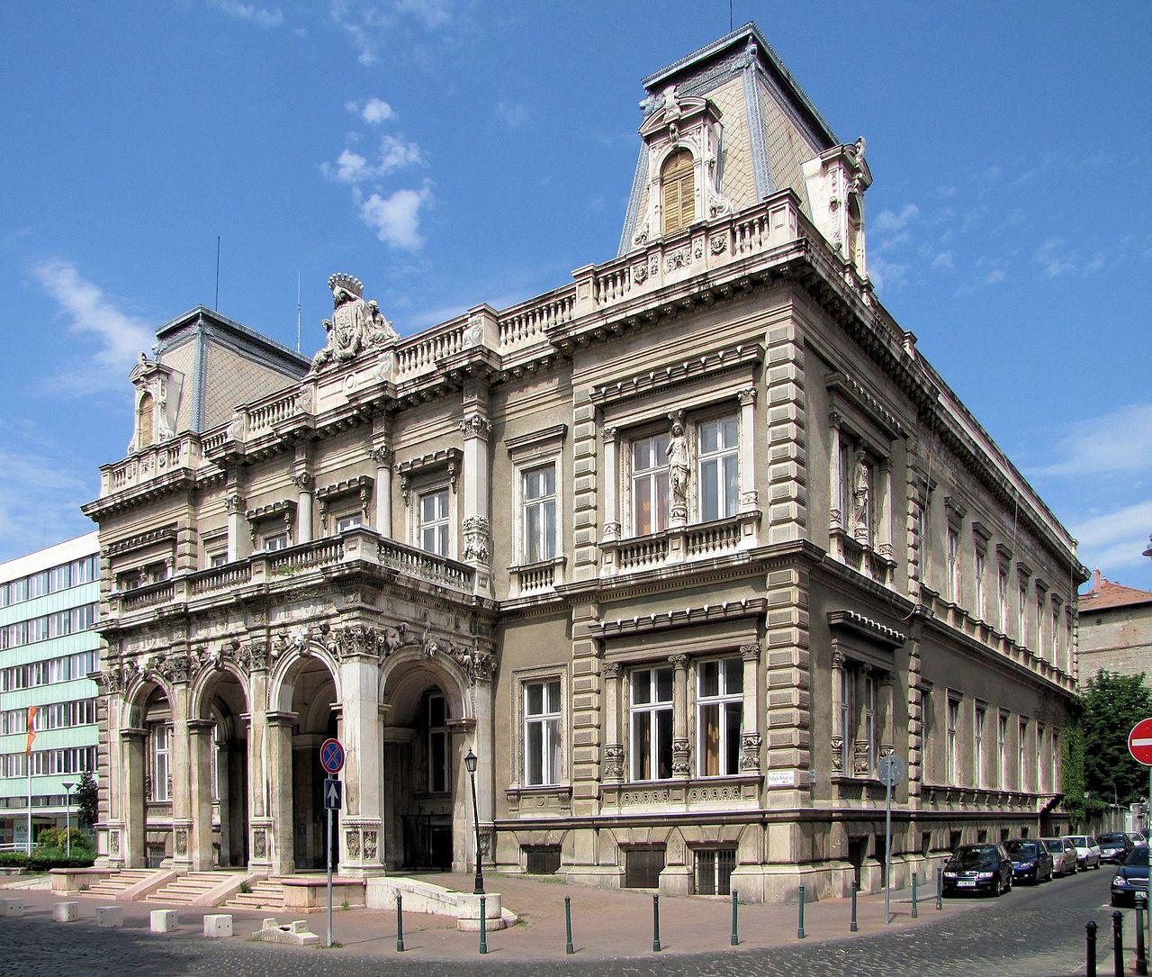 A budapesti belvárosba költözhet az egész Pázmány