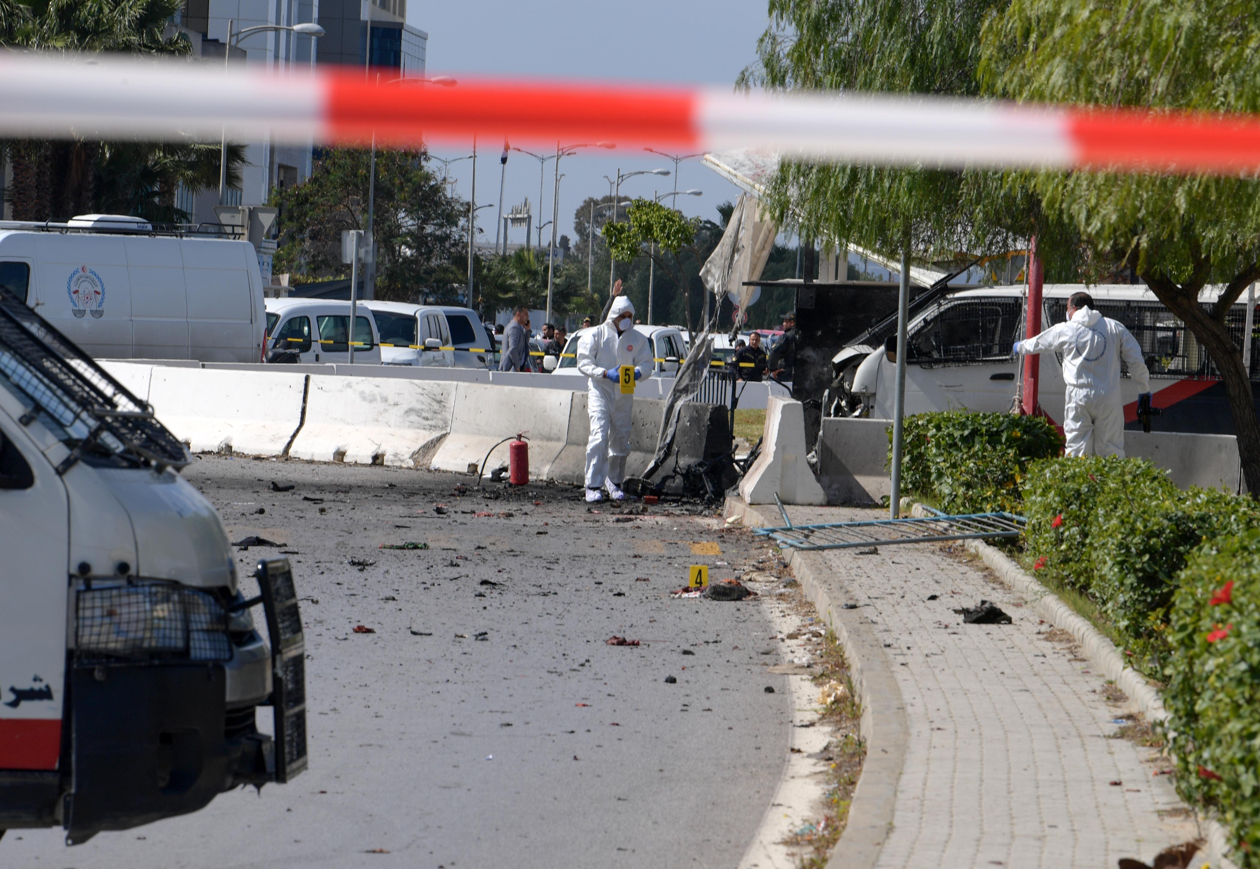 Öngyilkos merénylet történt az amerikai nagykövetség előtt Tunéziában