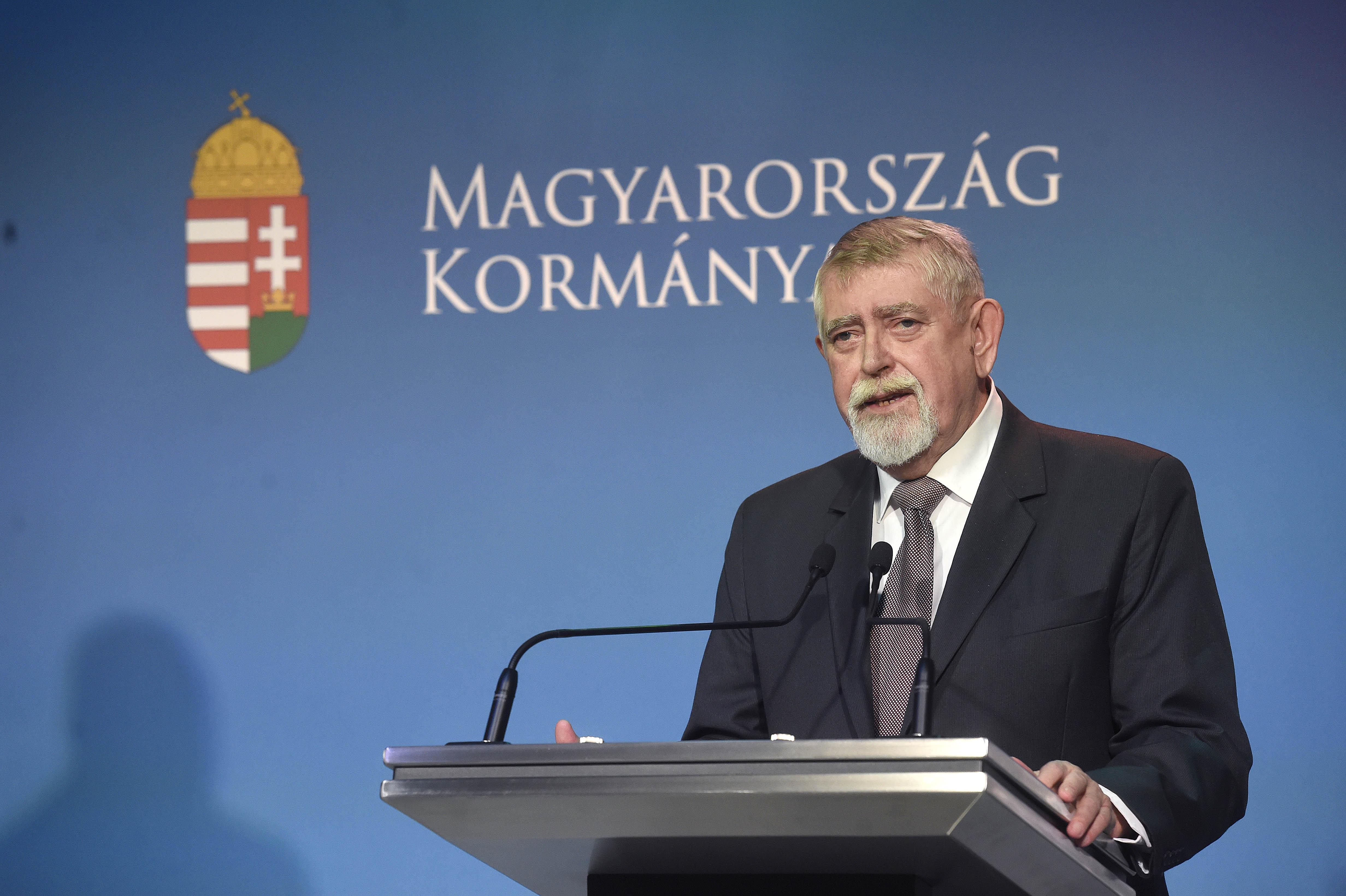 Egy-egy mondatban a koronavírus mai magyar fejleményei