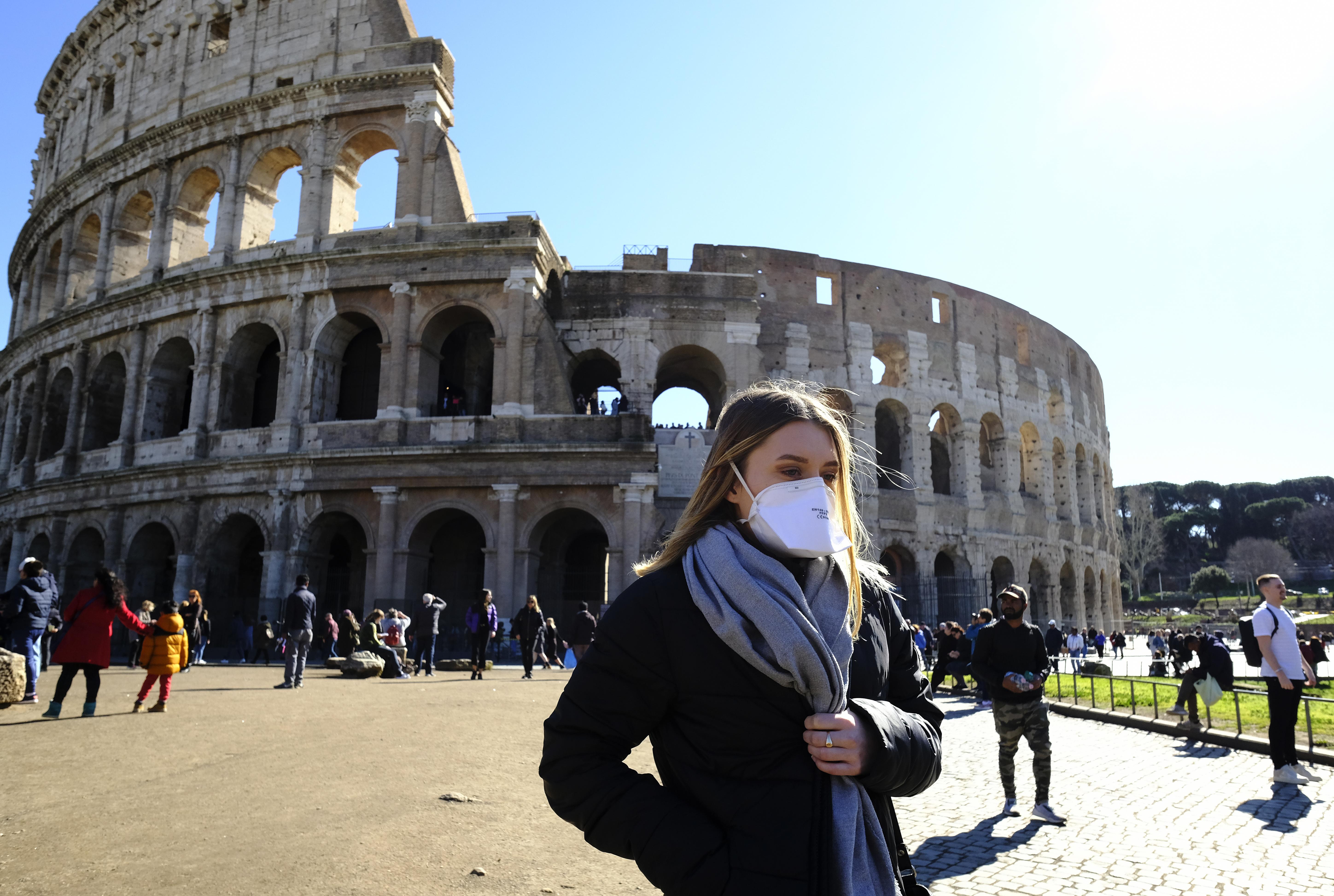 A nagykövetség azt kéri az Olaszországban vakációzó magyaroktól, hogy minél hamarabb induljanak haza