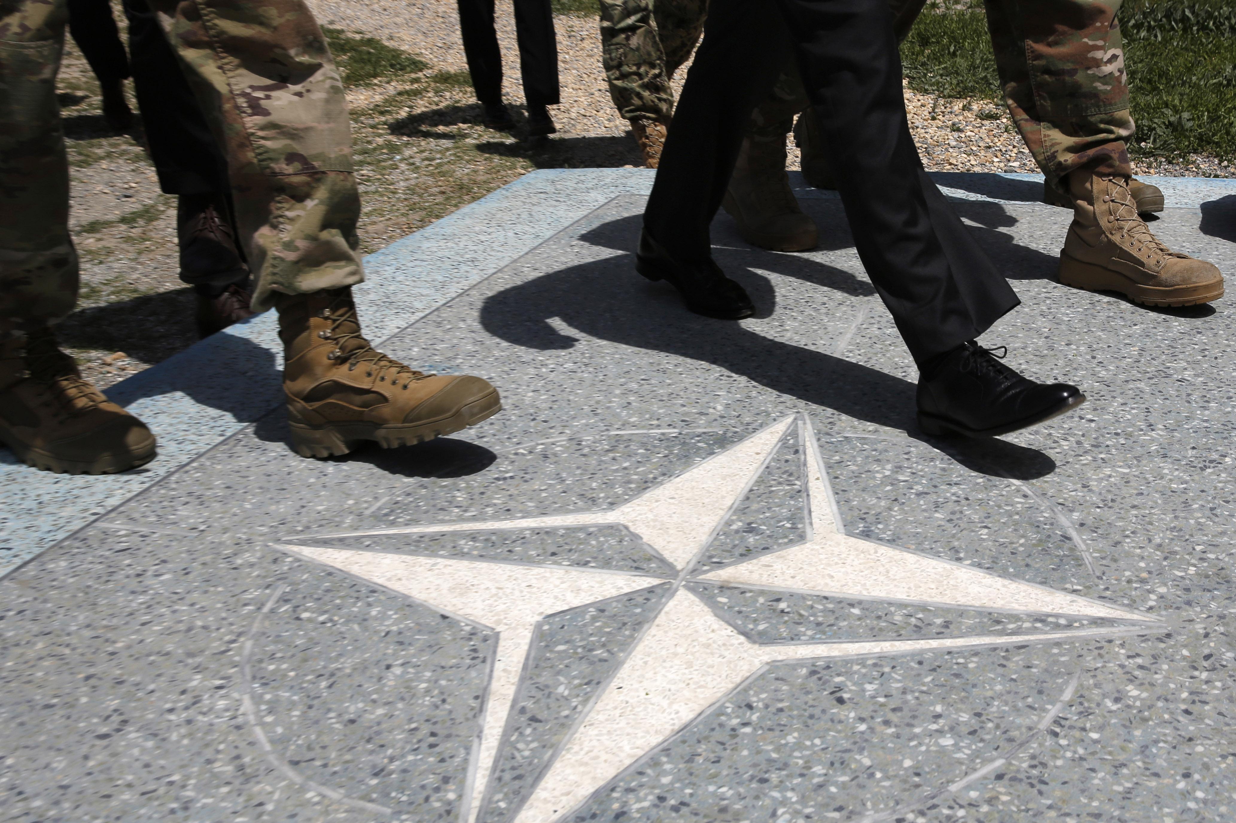 Karanténban az amerikai vezérkari főnökök és katonai csúcsvezetők jó része