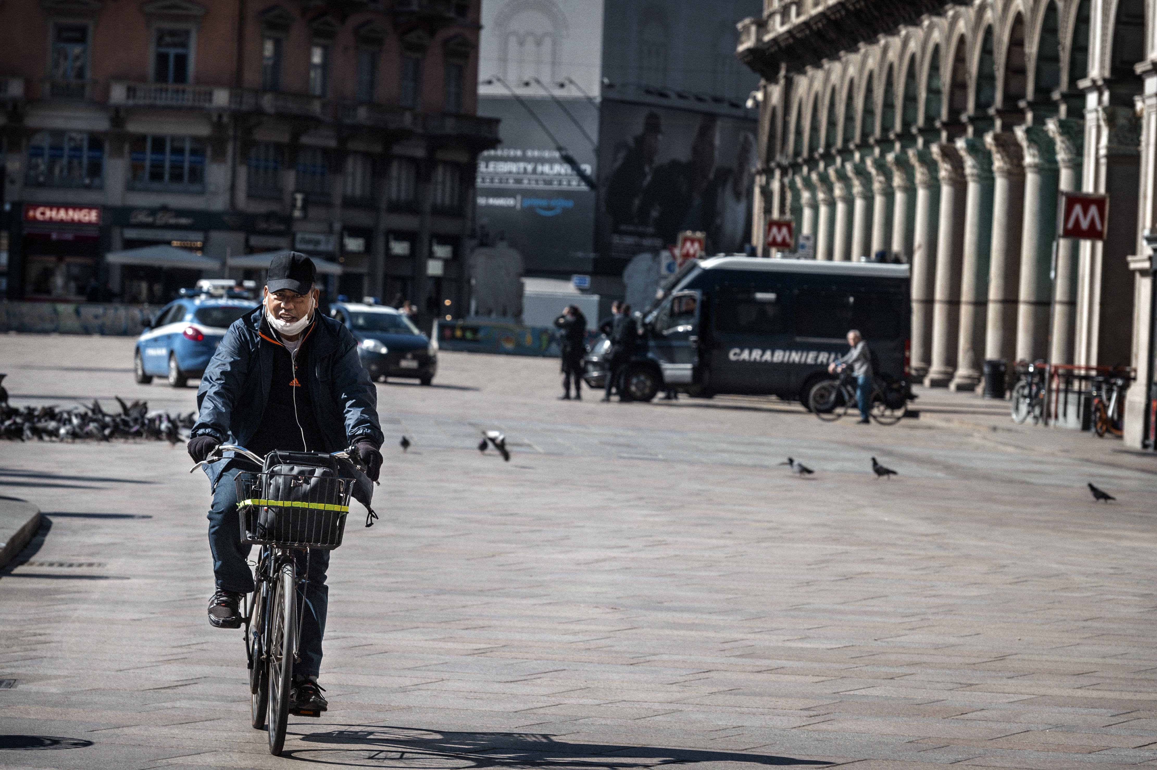 Hatalmas biciklis és gyalogos fejlesztésekkel készül Milánó a korlátozások feloldása utáni időkre