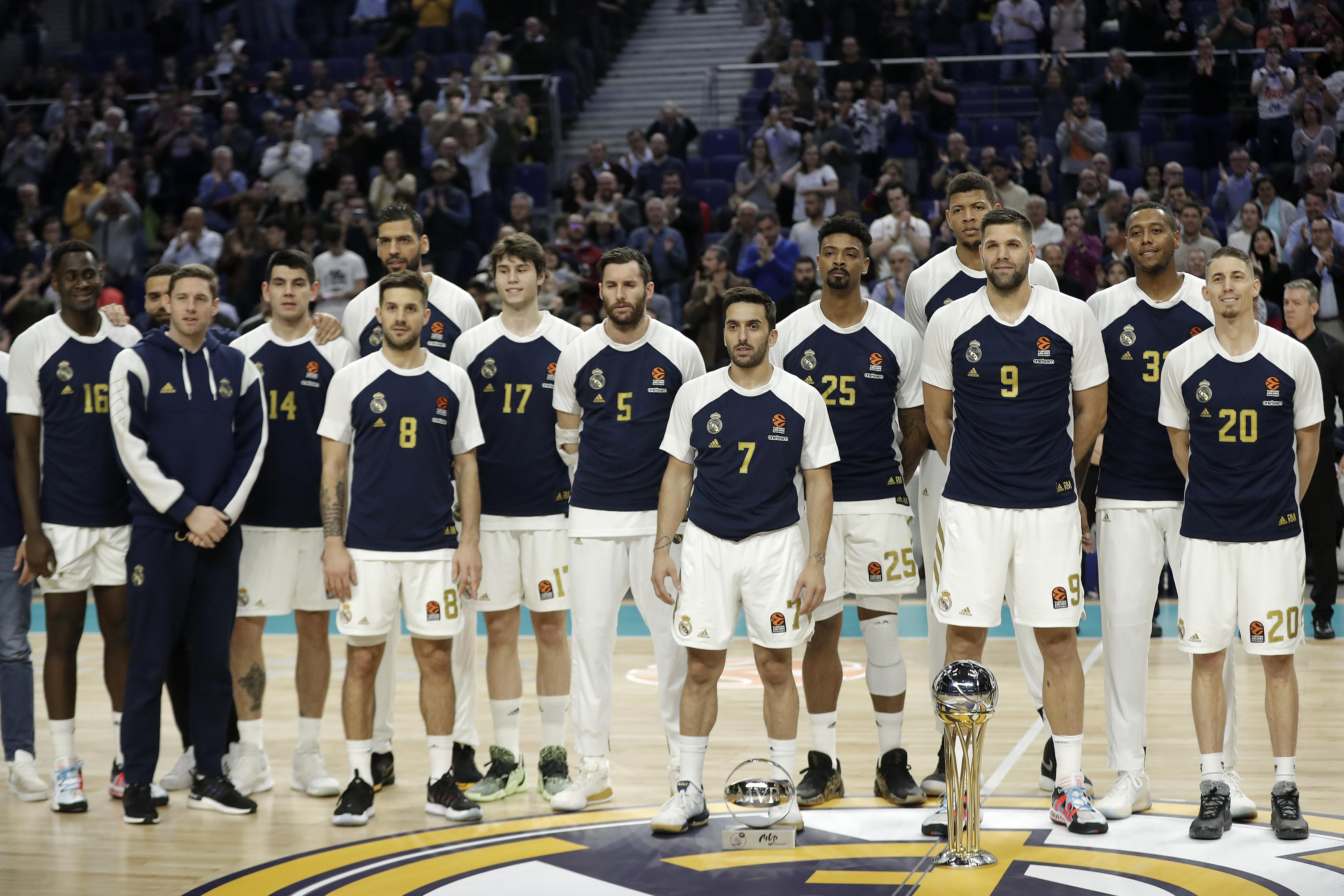 Felfüggesztik a spanyol focibajnokságot, karanténban a Real Madrid