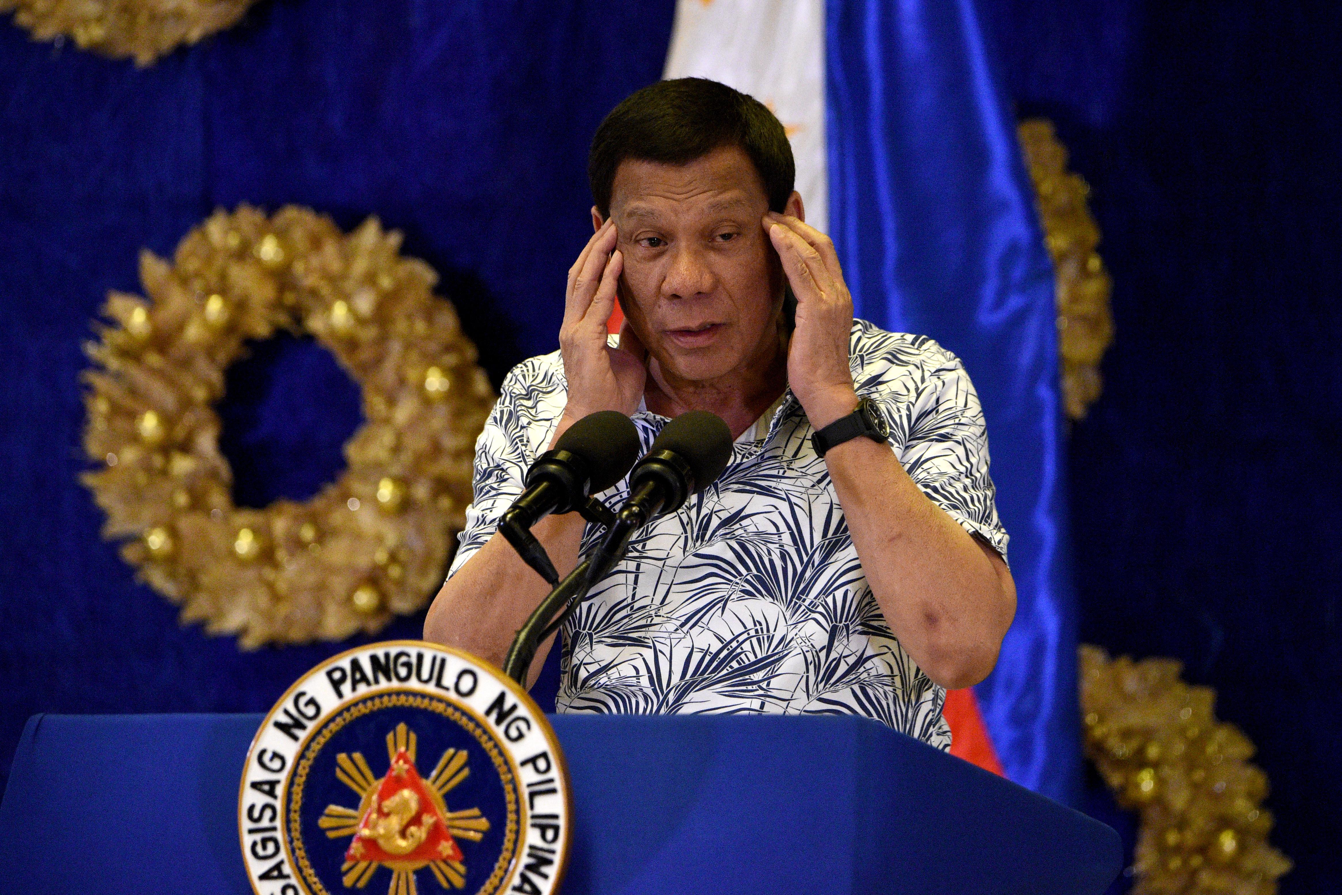 A Fülöp-szigetek elnöke agyonlövéssel fenyegeti azokat, akik megszegik a karantént
