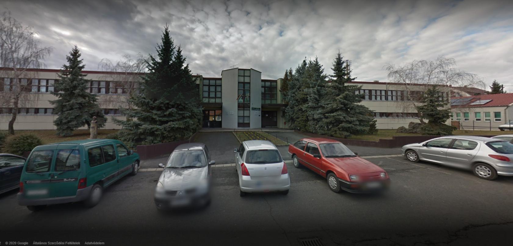 A tapolcai baptista iskola igazgatója is ellenszegült annak az utasításnak, hogy saját hatáskörben nem rendelhet el szünetet