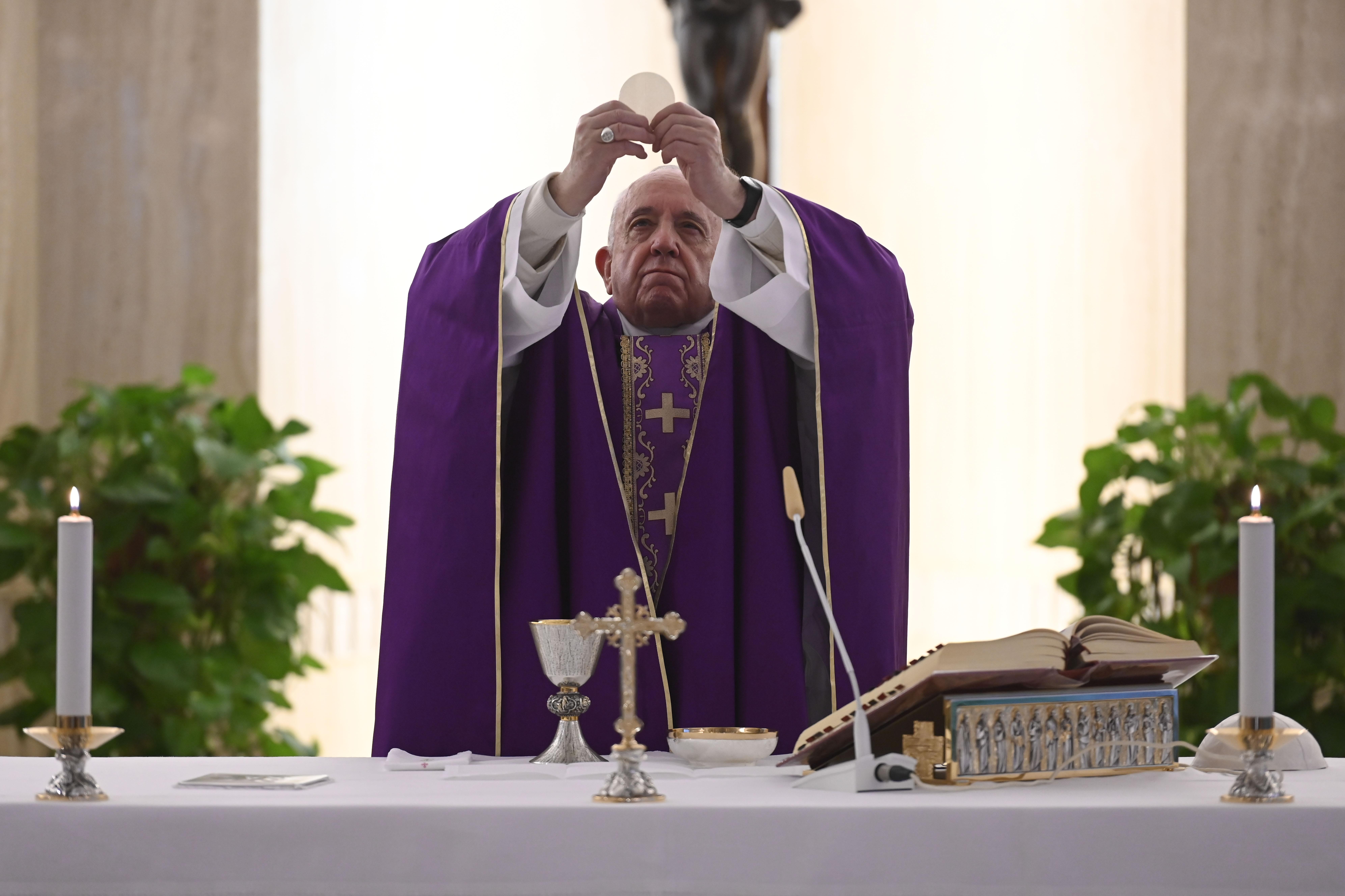Ferenc pápa megkérte Istent, hogy állítsa meg a járványt