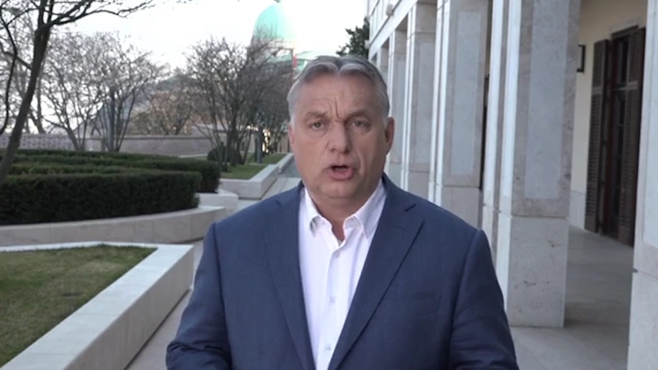 Orbán bejelentett valamit Facebookon, de hang nélkül