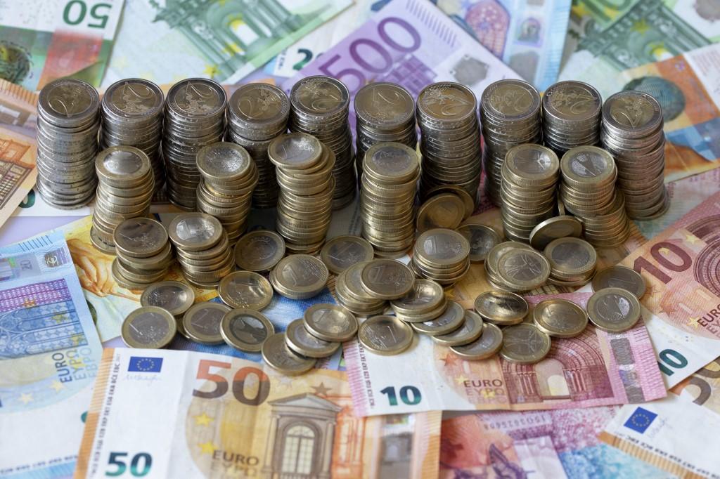 Egy zsák pénzt találtak német gyerekek a patakban, de sajnos hamisak voltak az érmék