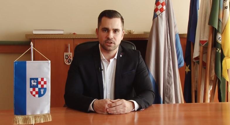 A polgármester bejelentette, hogy Dunaújvárosban is találtak egy koronavírusos beteget