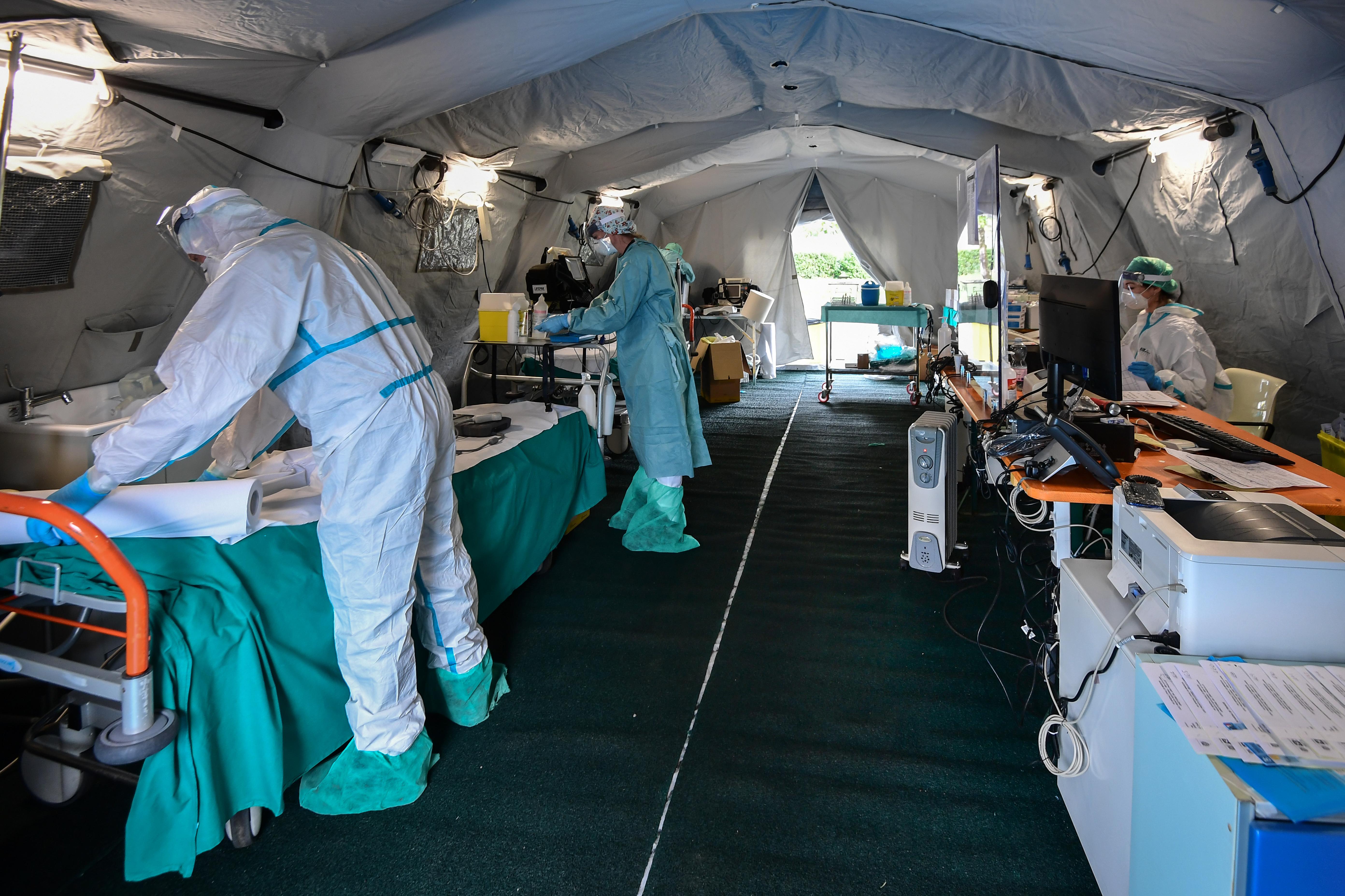 31 orvos halt meg Olaszországban a koronavírus miatt