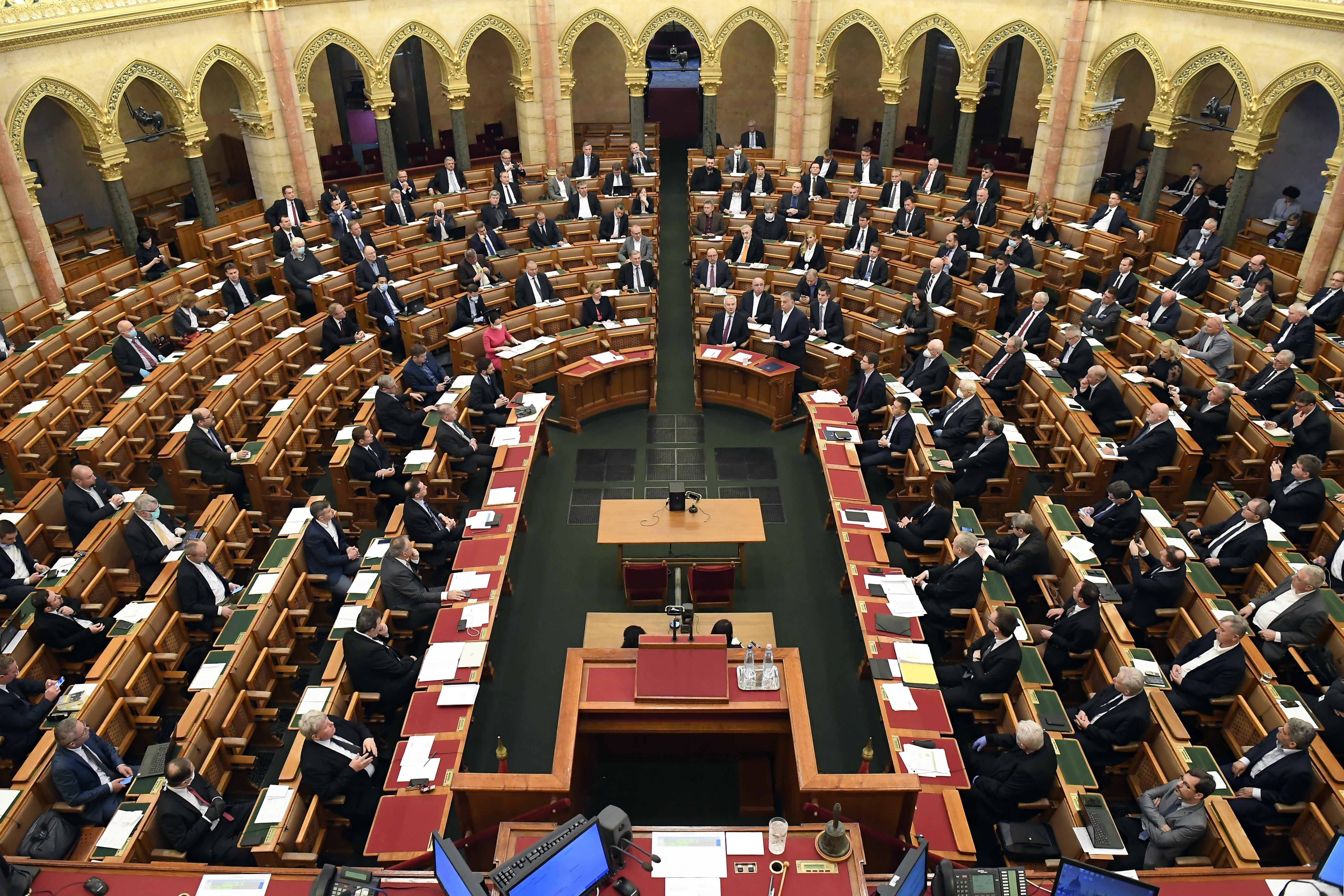 Formálisan megszűnt a Fidesz kétharmada, igen izgalmas lehet a borsodi időközi választás