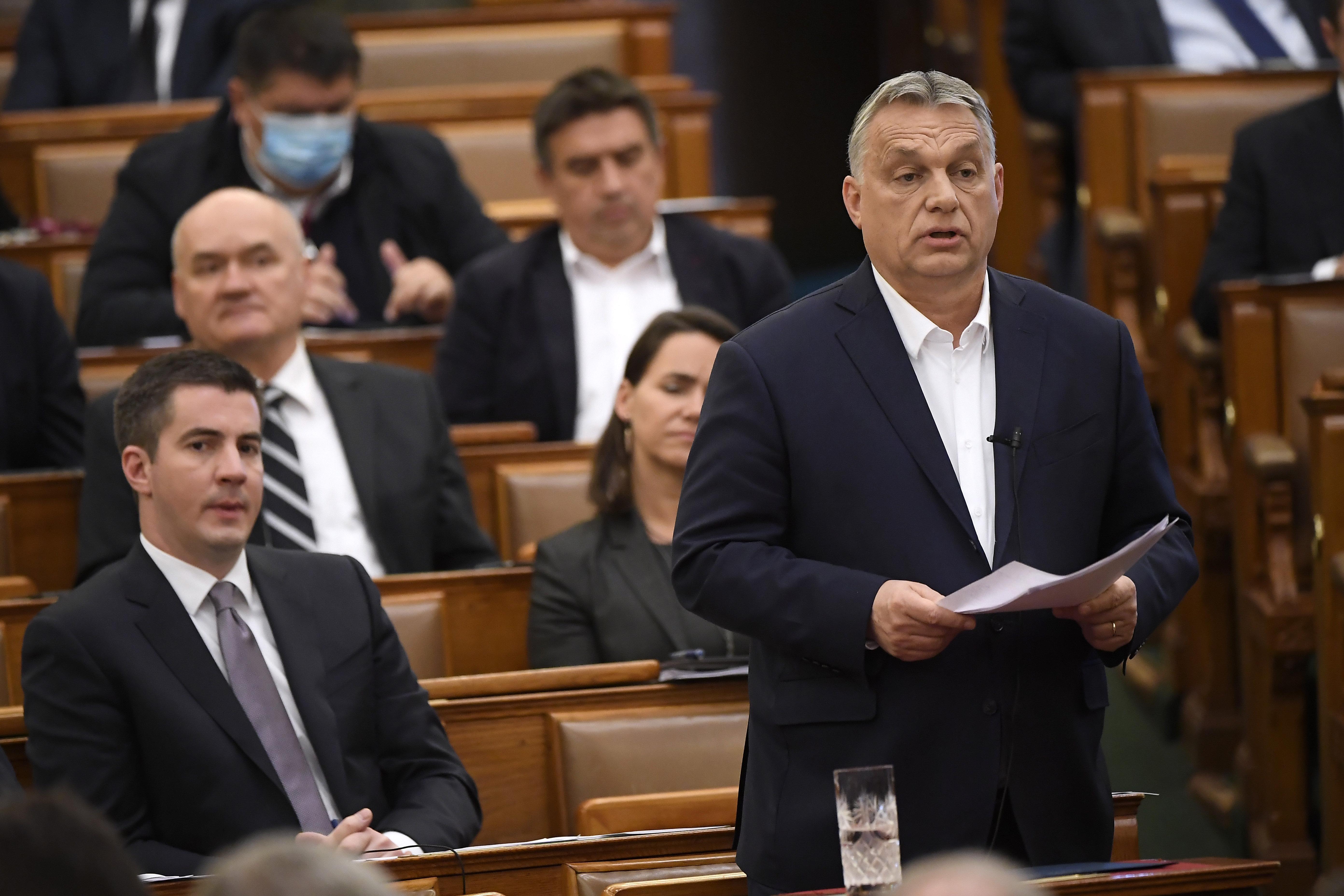 Orbán szerint a kormánypártok képviselői az ország 133 legbátrabb embere
