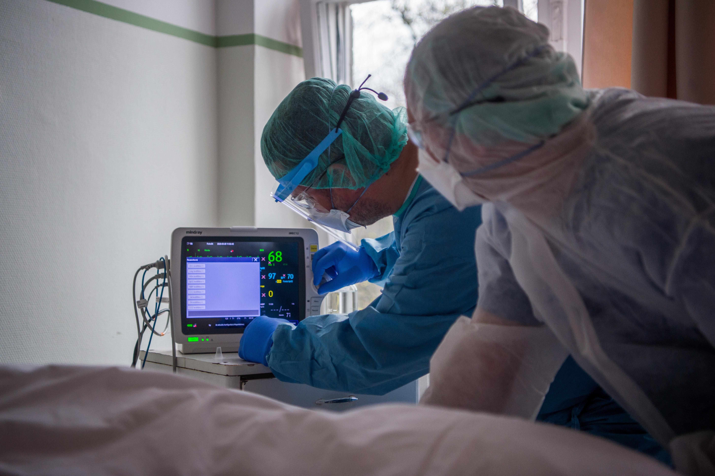 """Kunetz szerint """"nem haditerv, hanem kétségbeesett kapkodás""""  jellemzi az egészségügyi irányítást"""