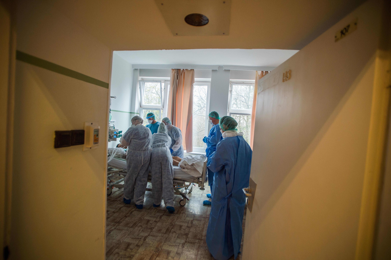 Hivatalosnak tűnő emailekkel támadják a magyar kórházak informatikai rendszereit