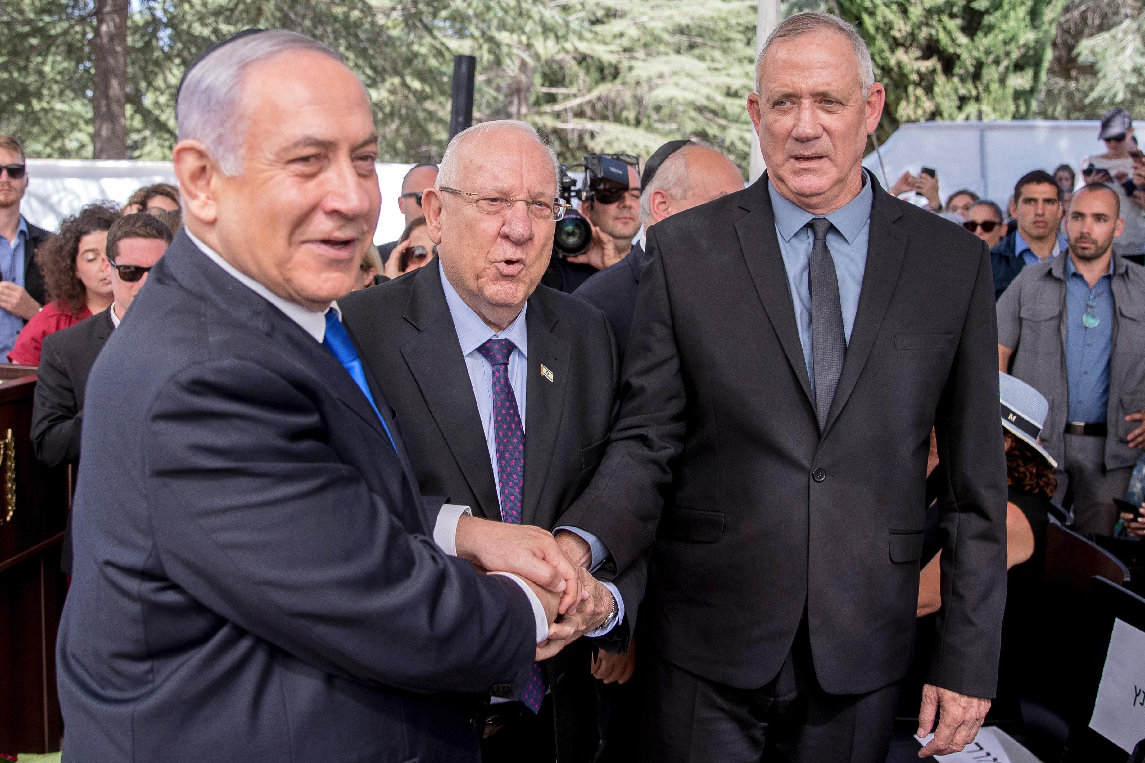 Egészen különleges egyezségre jutott Benjamin Netanjahu és riválisa, Beni Ganz