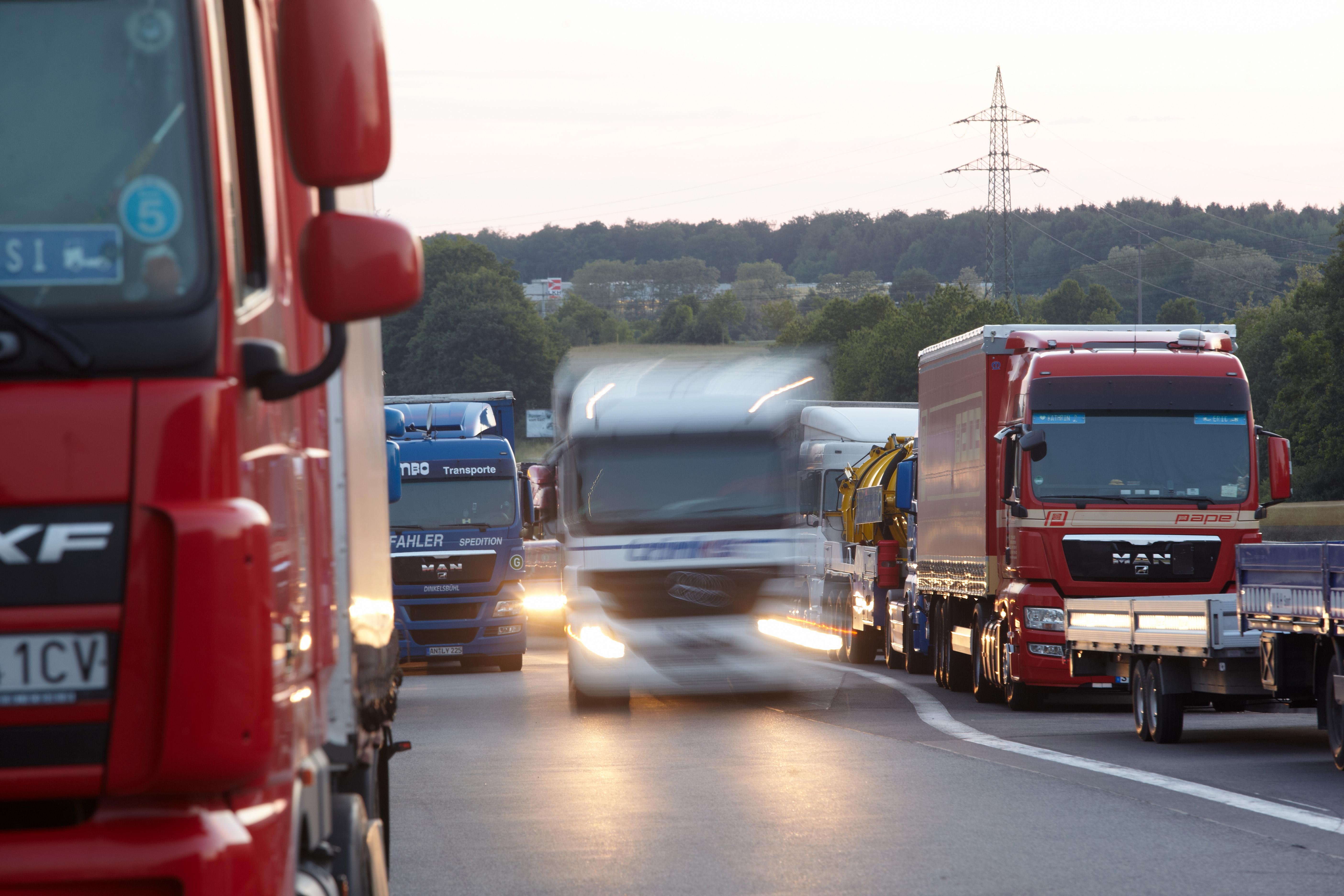 A teherforgalmat is korlátozza a tisztifőorvos új rendelete