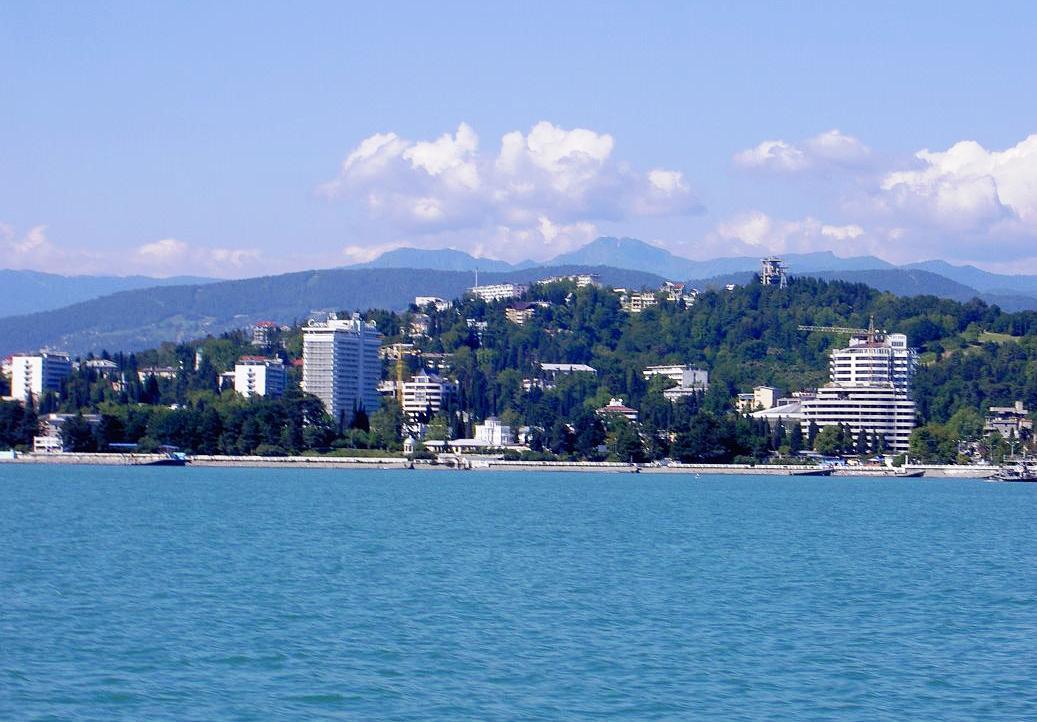 Annyi orosz utazik a Fekete-tenger partjára, hogy fel kellett függeszteni a hotelfoglalásokat