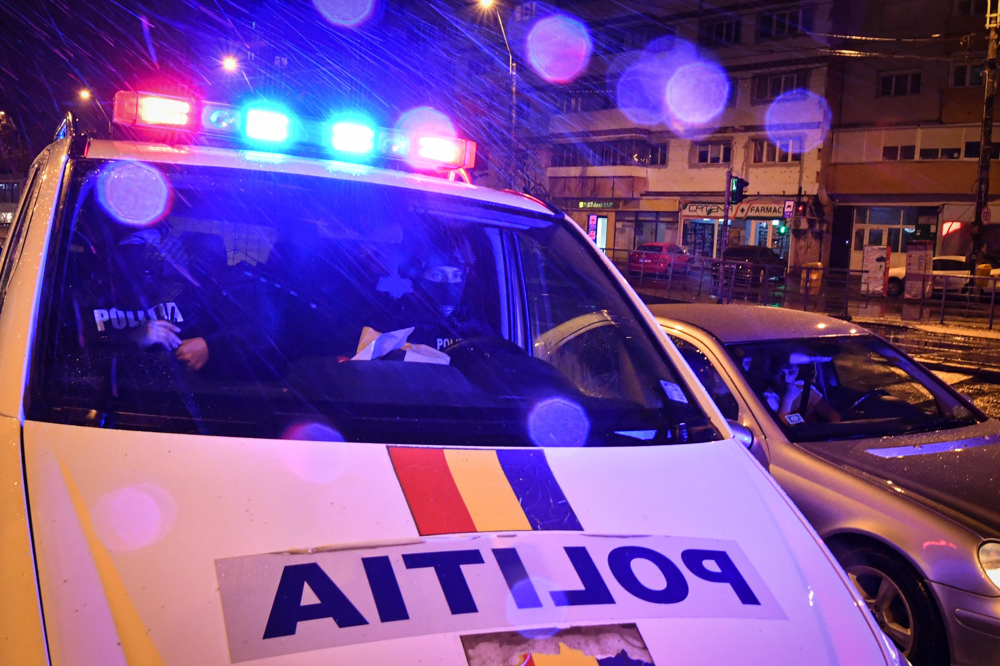 Hétvégente kötelezően a román himnuszt játsszák a román rendőrautók