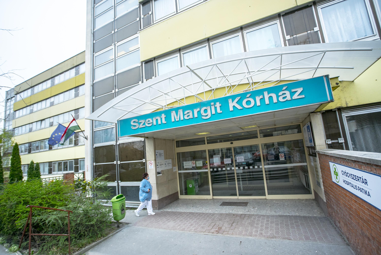 Egy ember meghalt a hajnali kórháztűzben