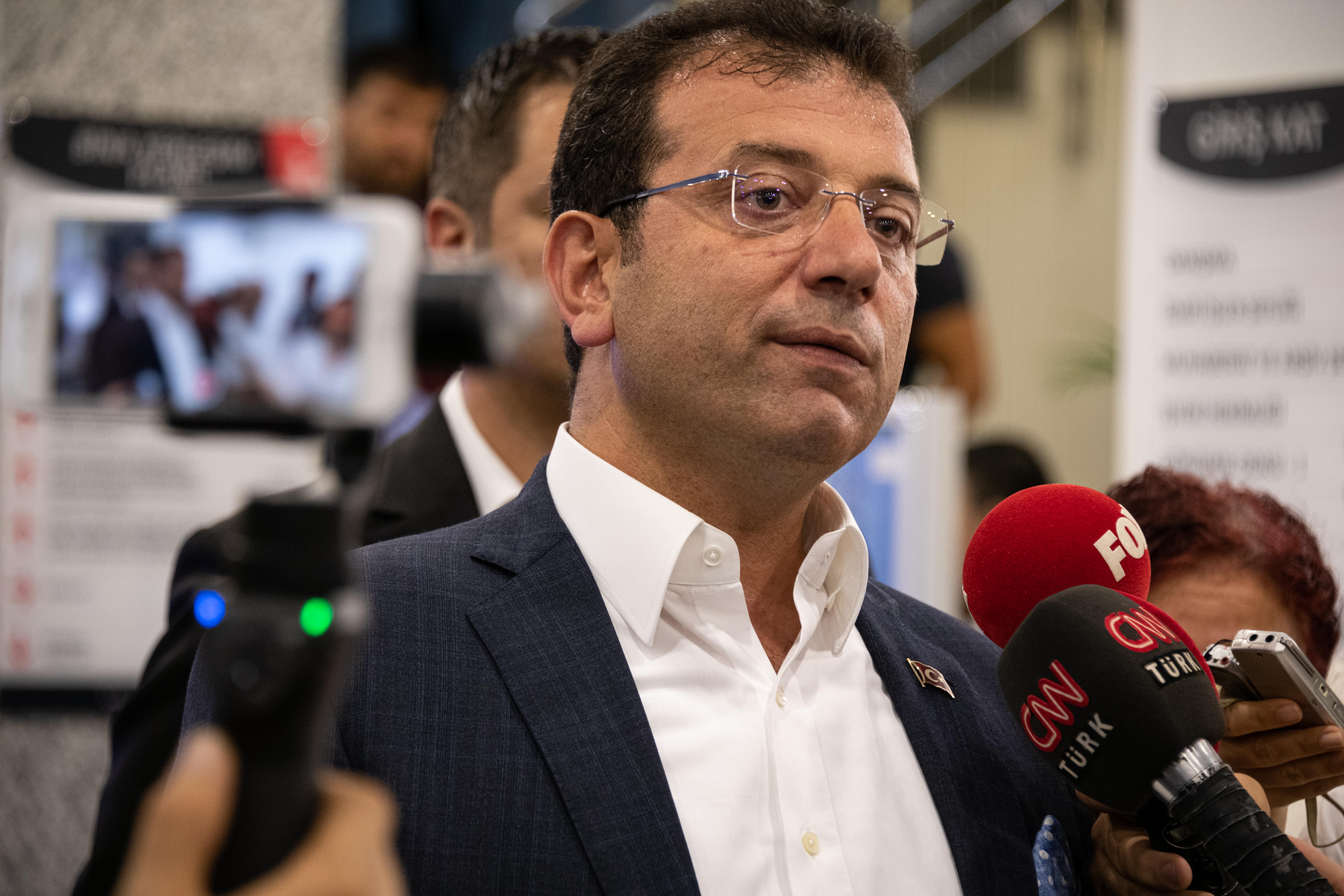 A koronavírus-járvány kezelése miatt feszült egymásnak Erdogan és Isztambul polgármestere