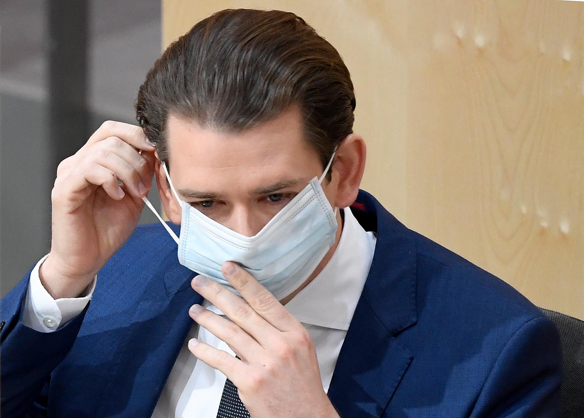 Az osztrák parlamentben kötelező a szájmaszk viselése