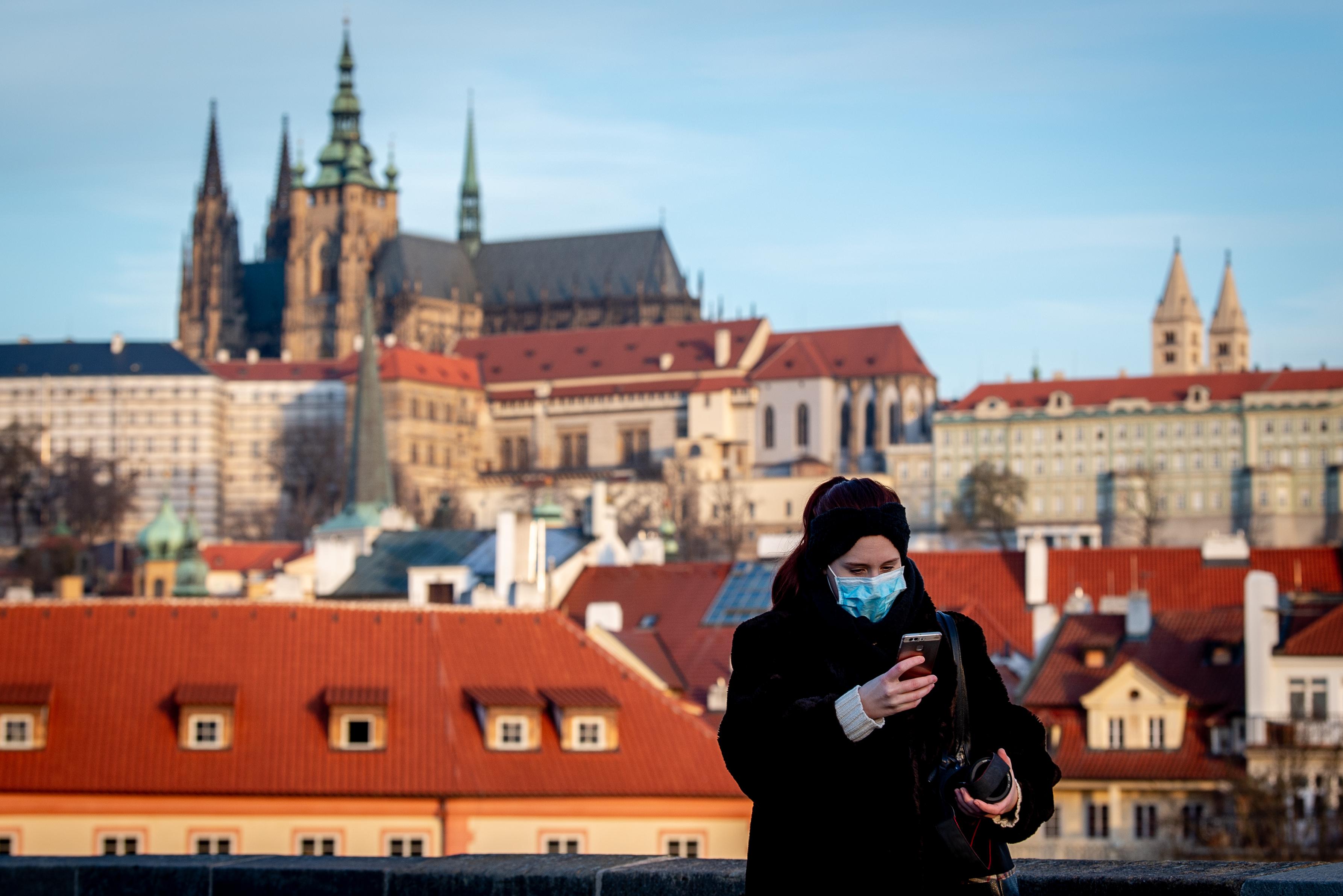 Prága a koronavírusra hivatkozva megregulázta az Airbnb-ket