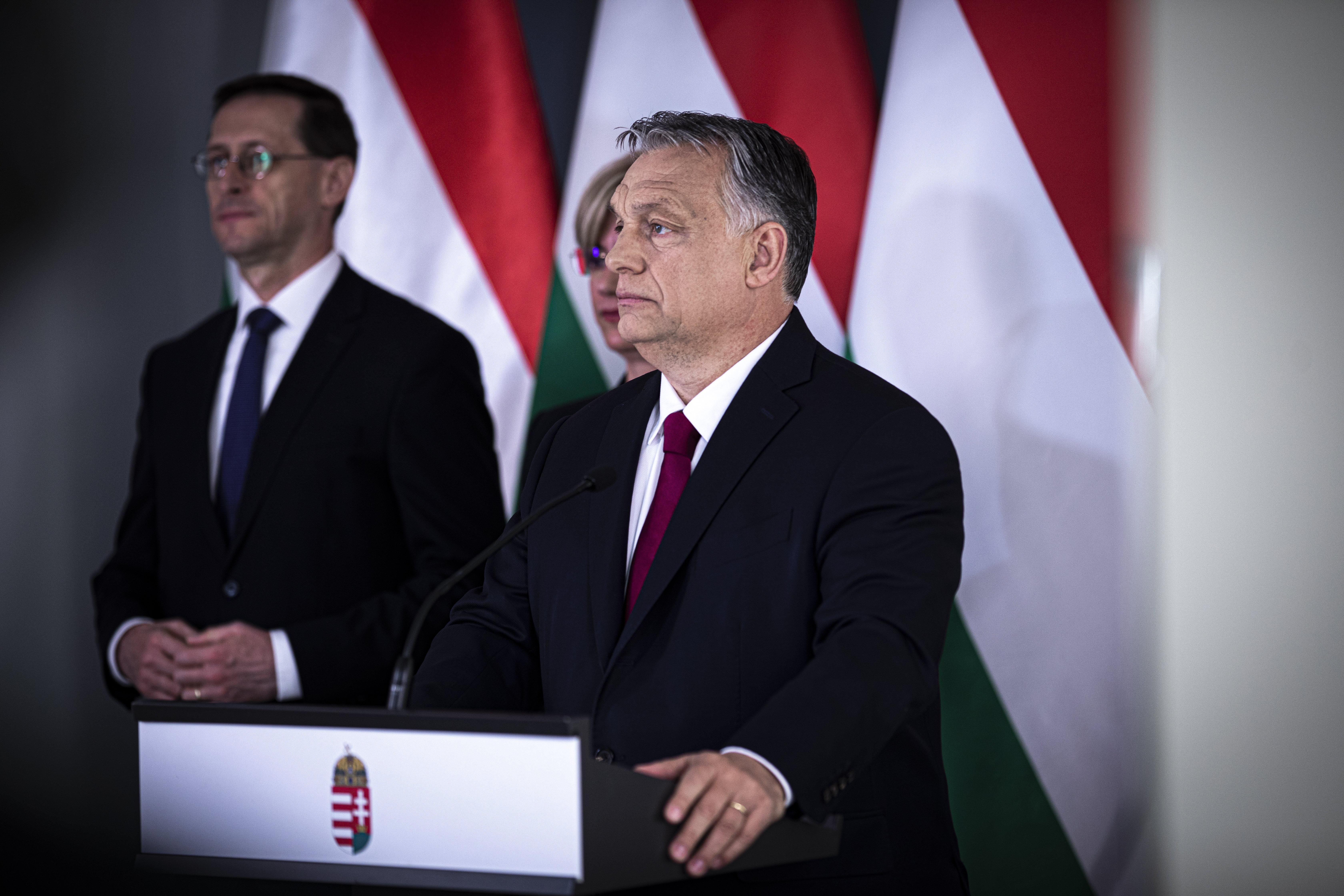 Orbán: A járvány tetőzésekor 8000 lélegeztetőgépre lehet majd szükség