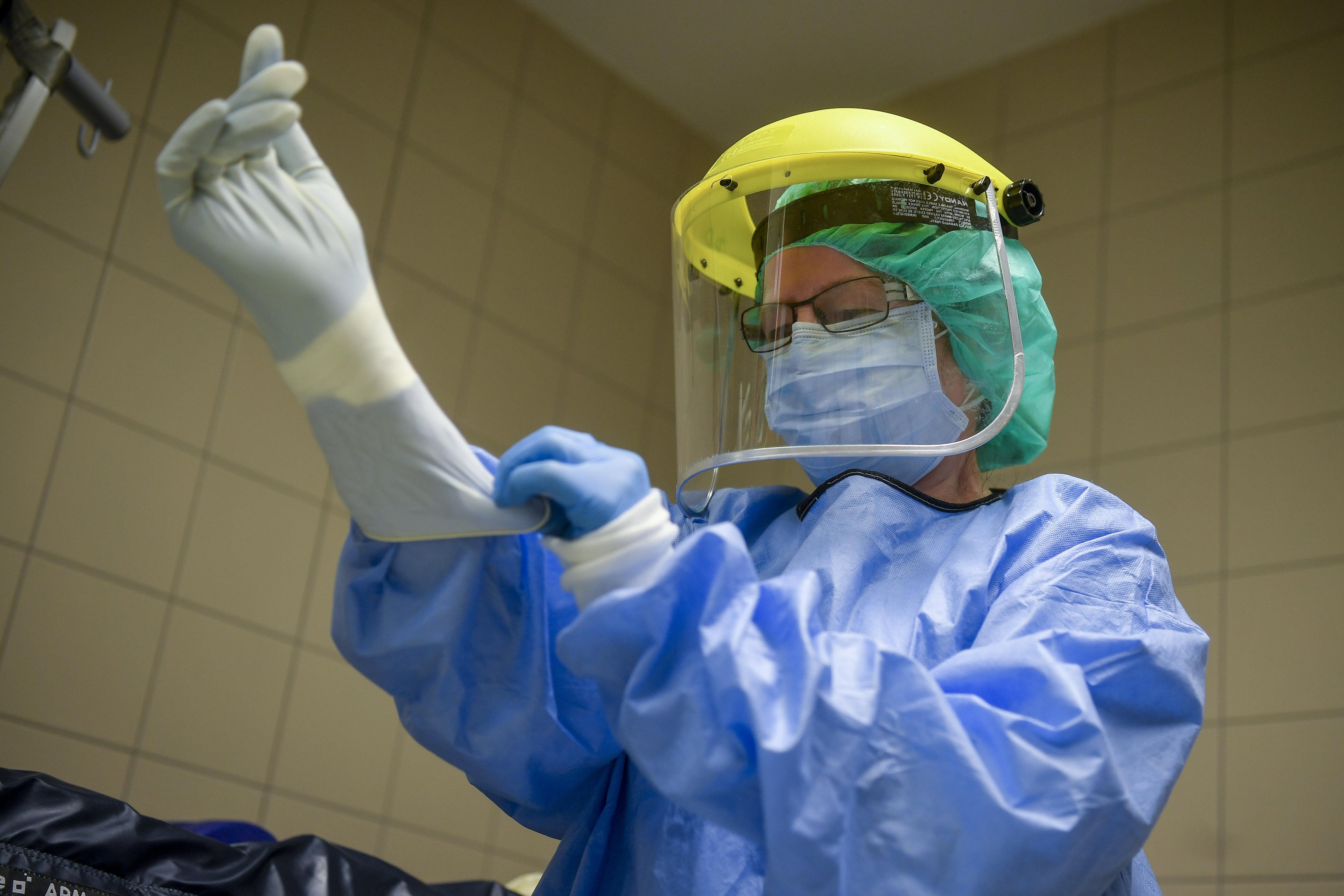 Koronavírussal fertőződött több debreceni védőnő