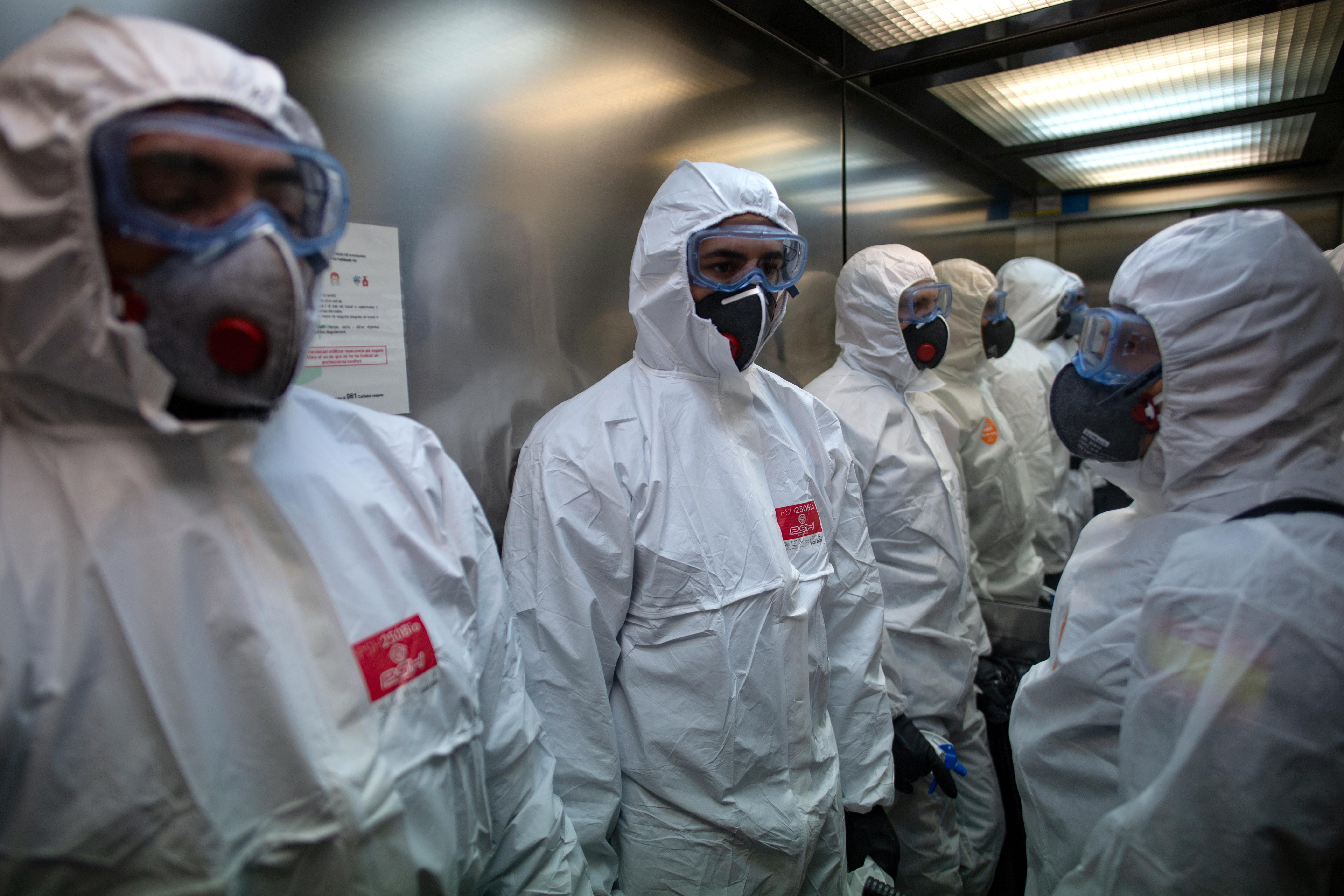 Az új számítási módszer 42 százalékkal emelte a koronavírusos halottak számát Spanyolországban