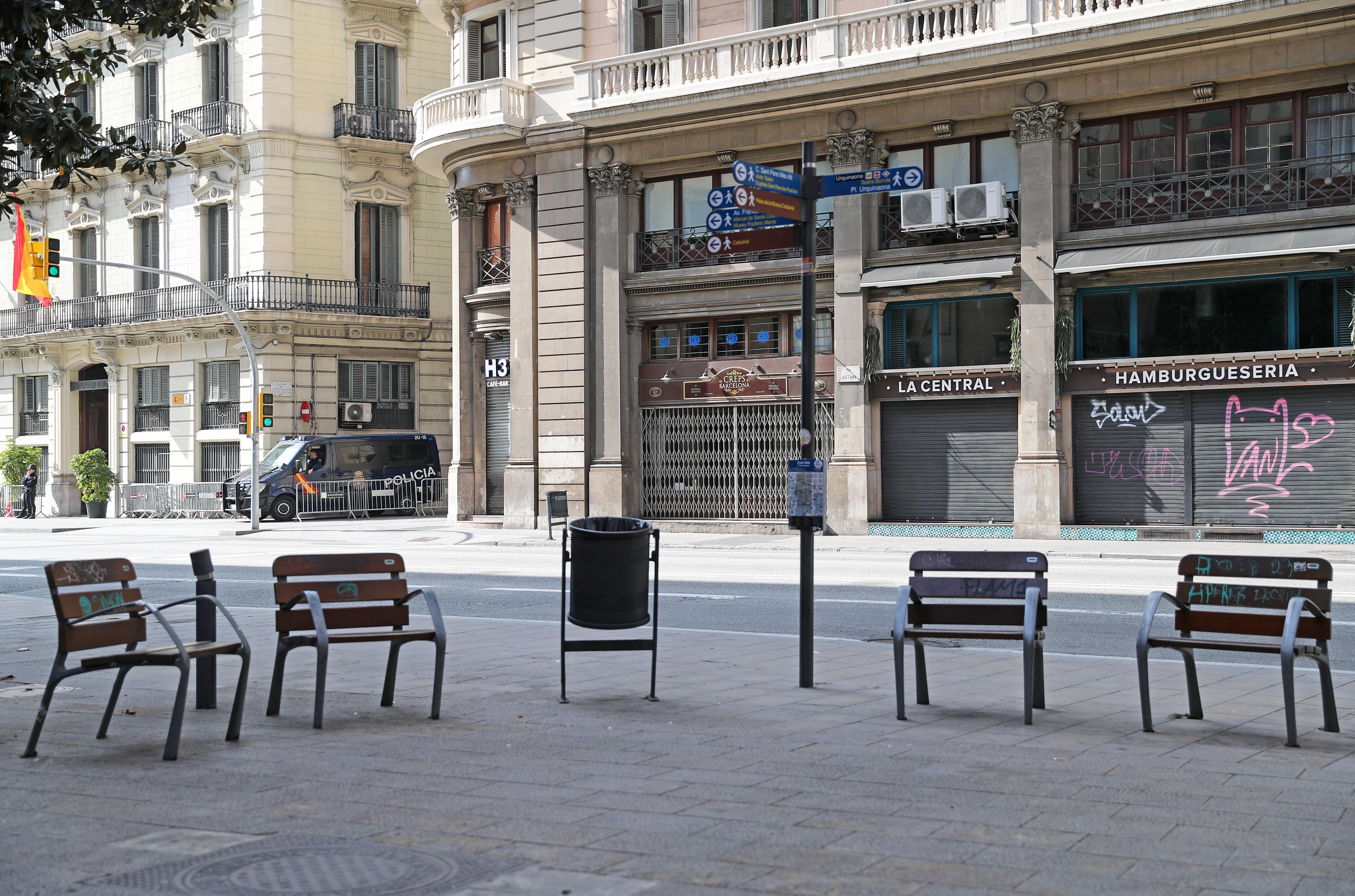 Koronavírus: Barcelonában megint bezárják a szórakozóhelyeket, és arra kérik az embereket, maradjanak otthon