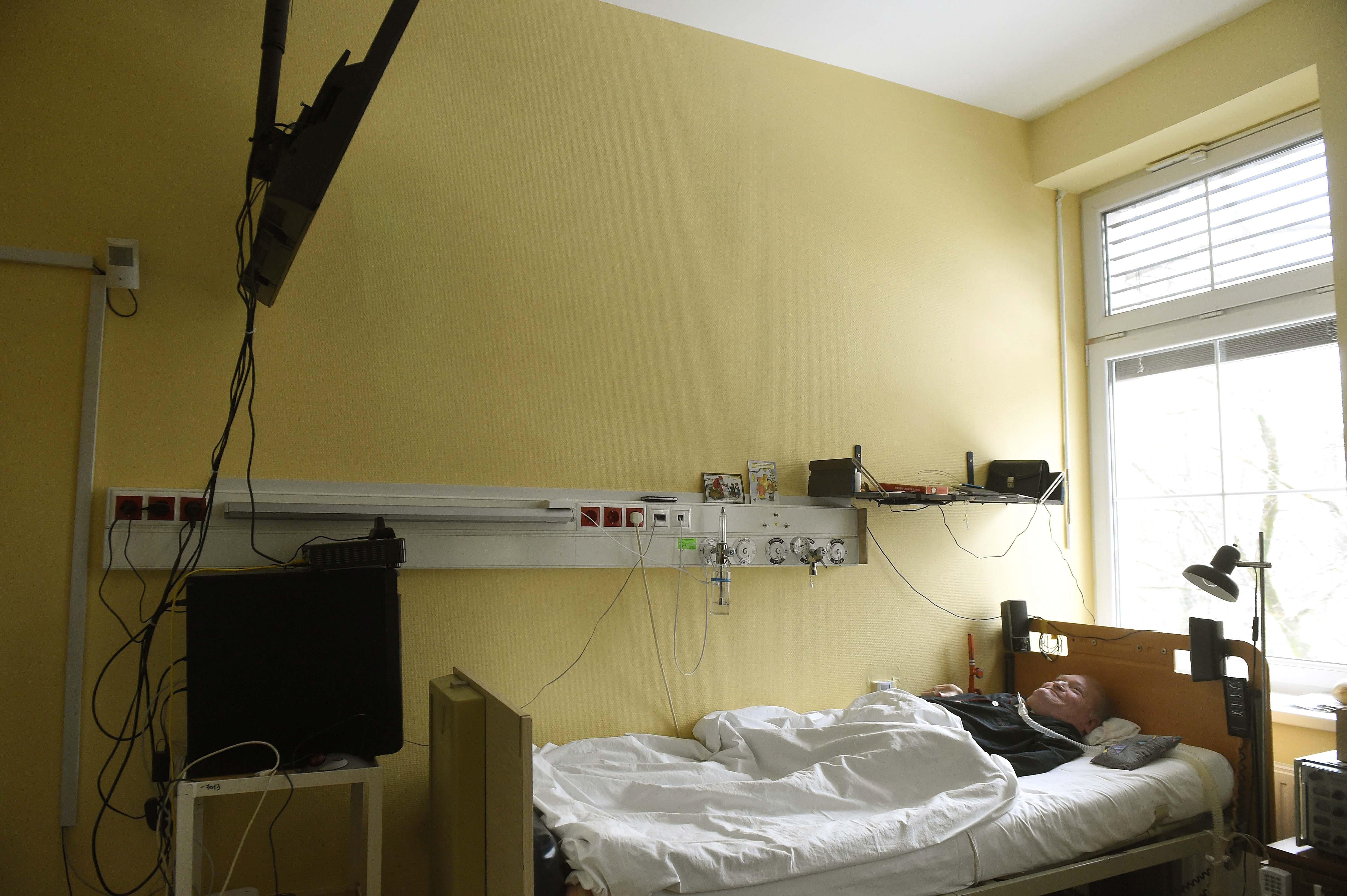 Fokozatosan kiszorulnak az egészségügyi ellátásból a nem koronavírusos betegek
