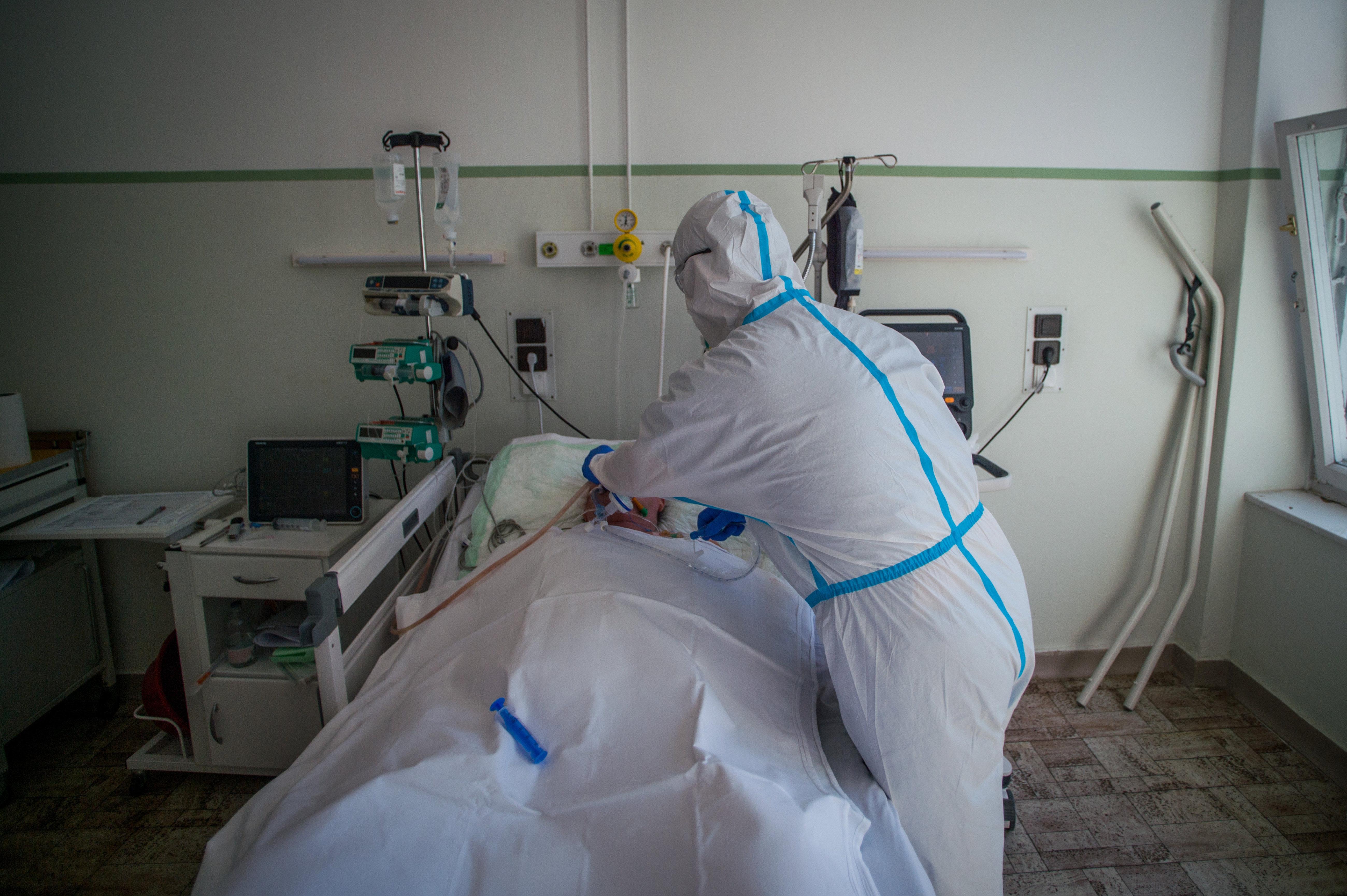 Eddig 340 ember halt bele a koronavírus-járványba Magyarországon