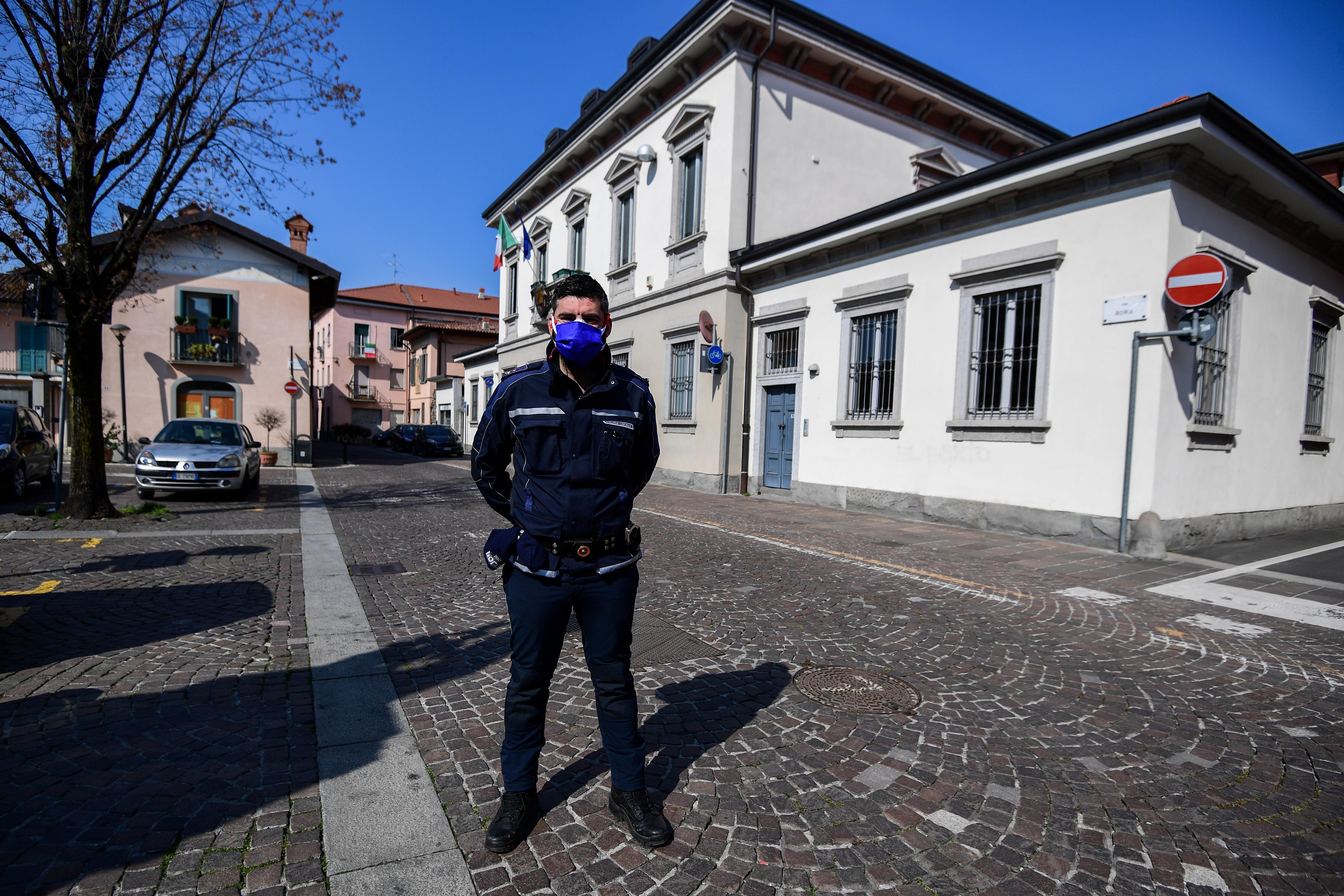 Még három hétig vesztegzár alatt marad Olaszország
